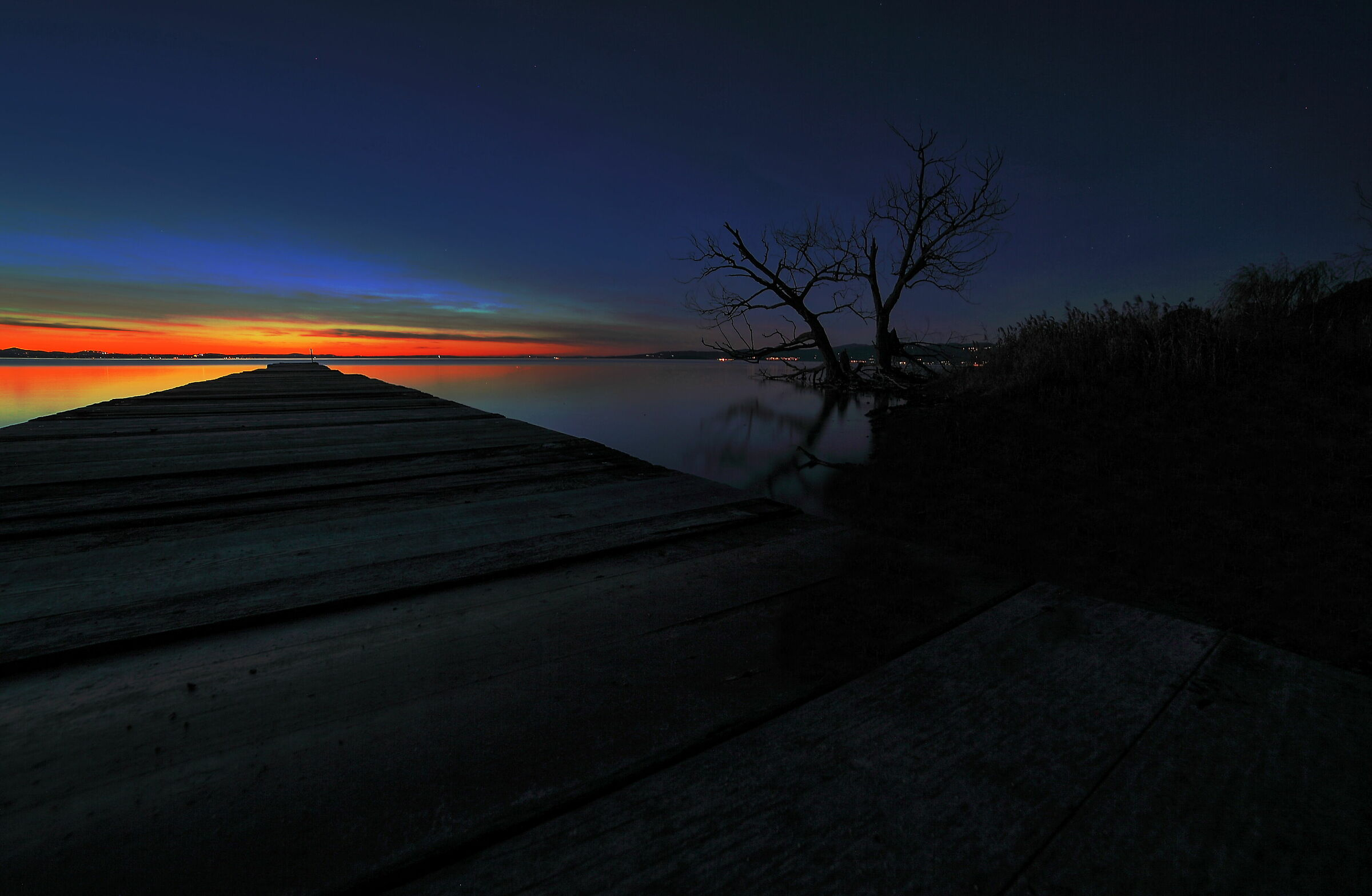La via del tramonto e l'oscurità...