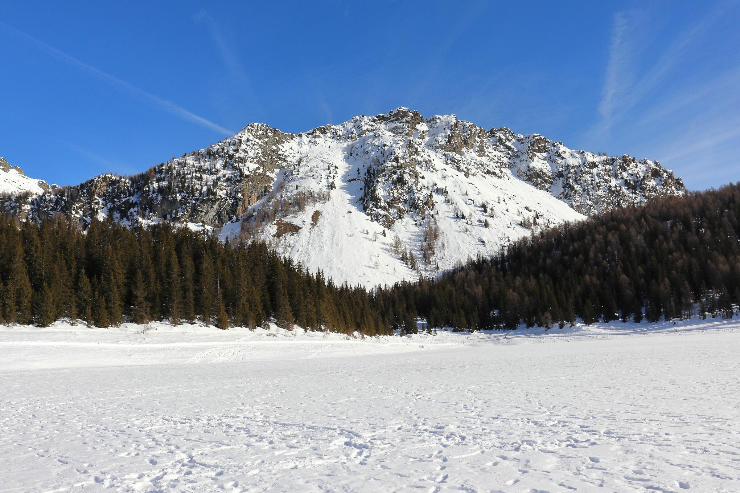 Lago Palù e vista monte Roggione...