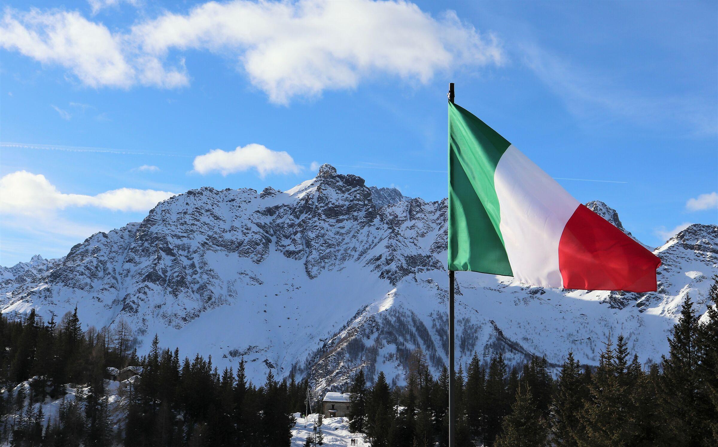 Vista del Monte Braccia dal rifugio Lago Palù...
