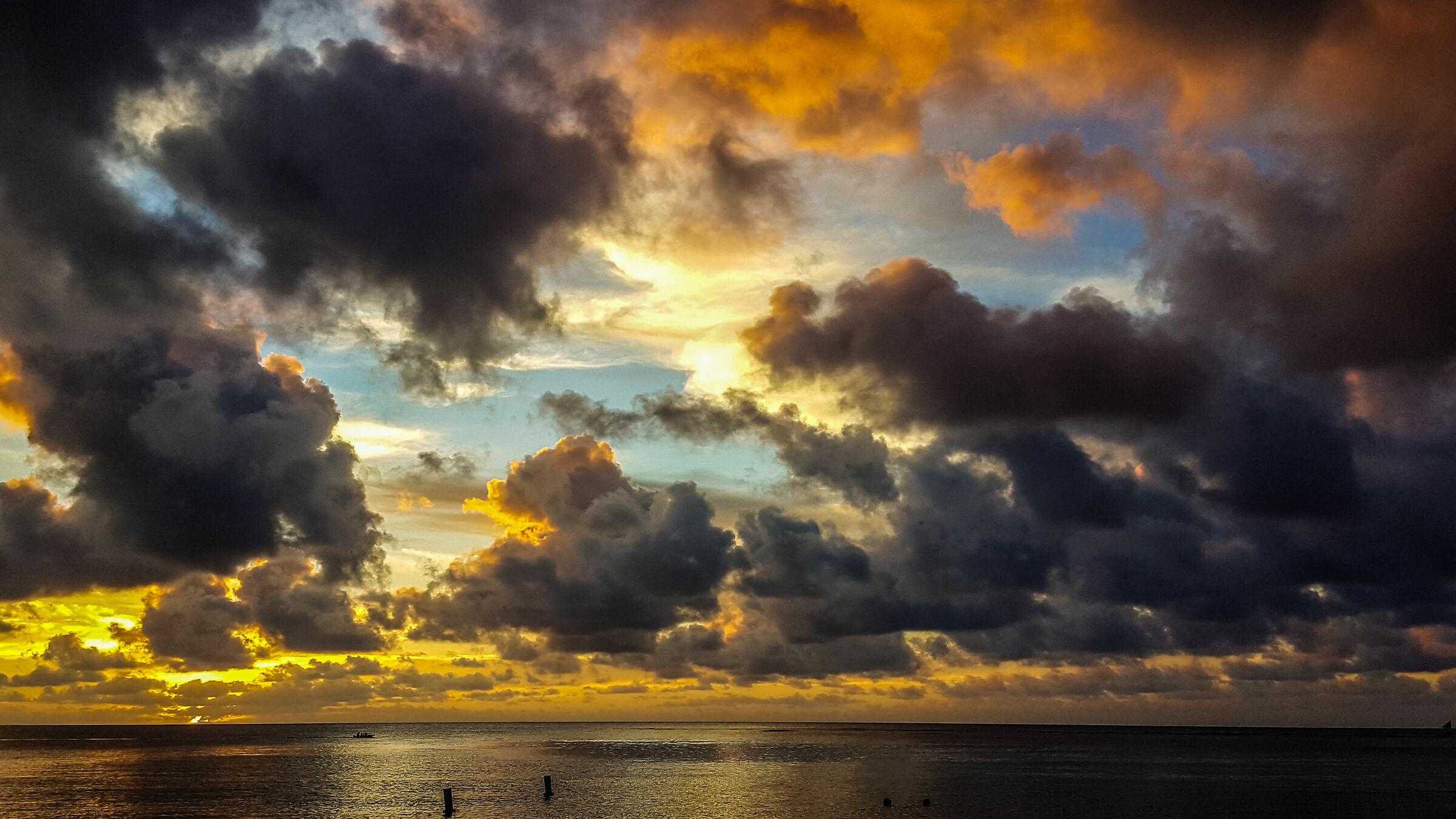 Sunset in Hanalei bay, Kauai...