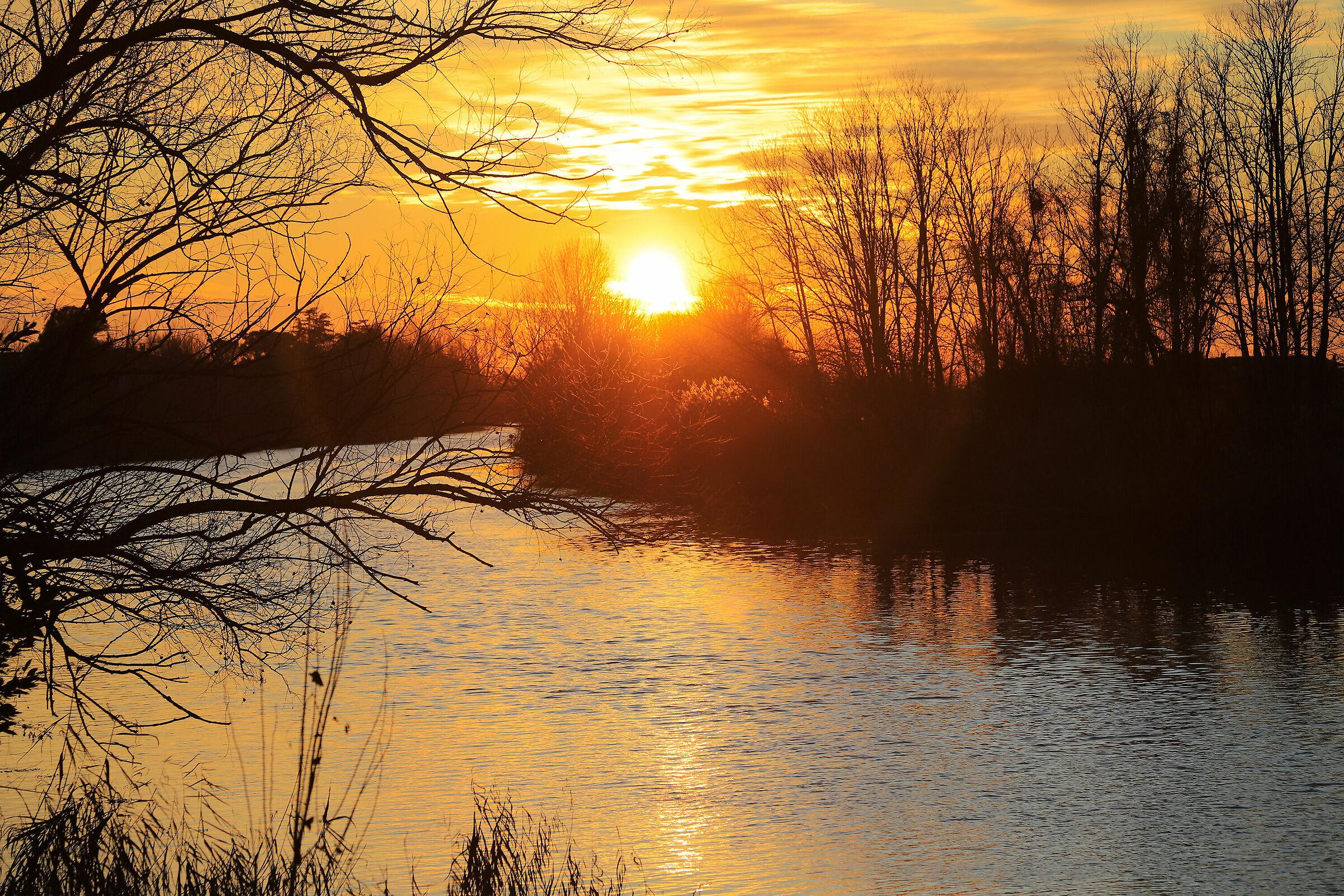Quando tramonta il sole il cielo brucia....