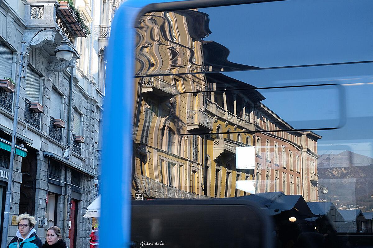 """3 reflex sequence of a """"Como"""" city..."""