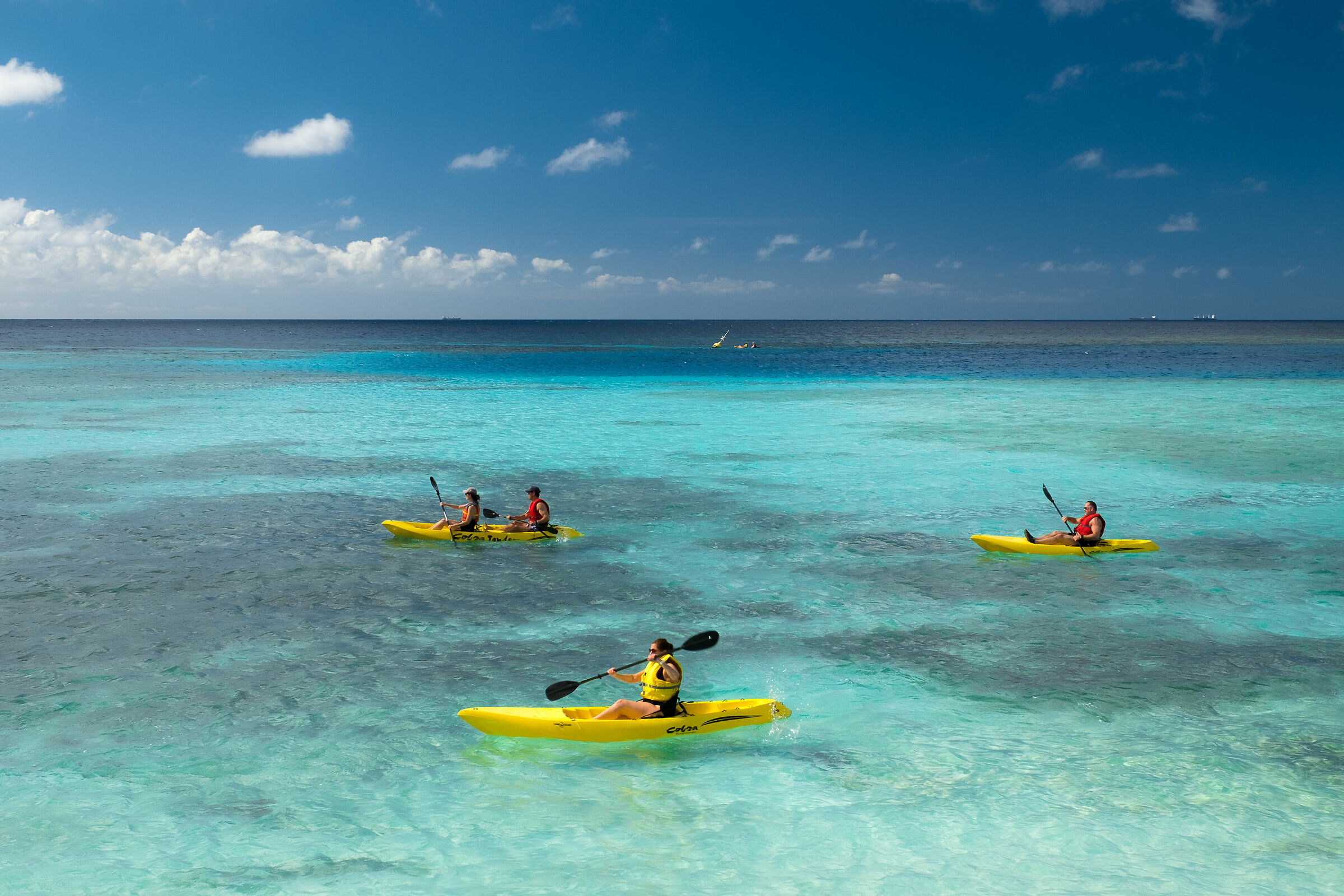 Paddling on the heavenly sea of Aruba...
