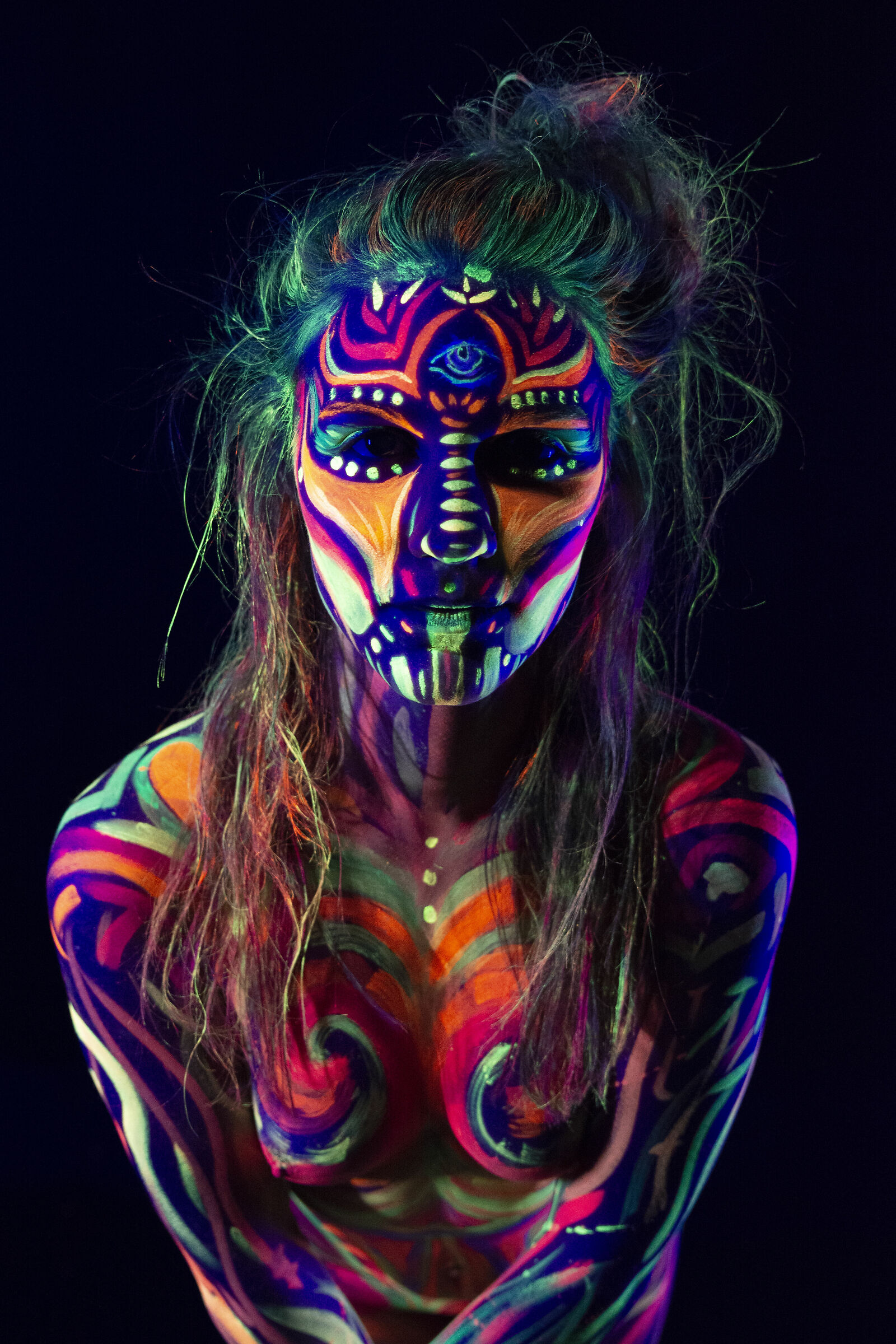Body painting fluo_4...