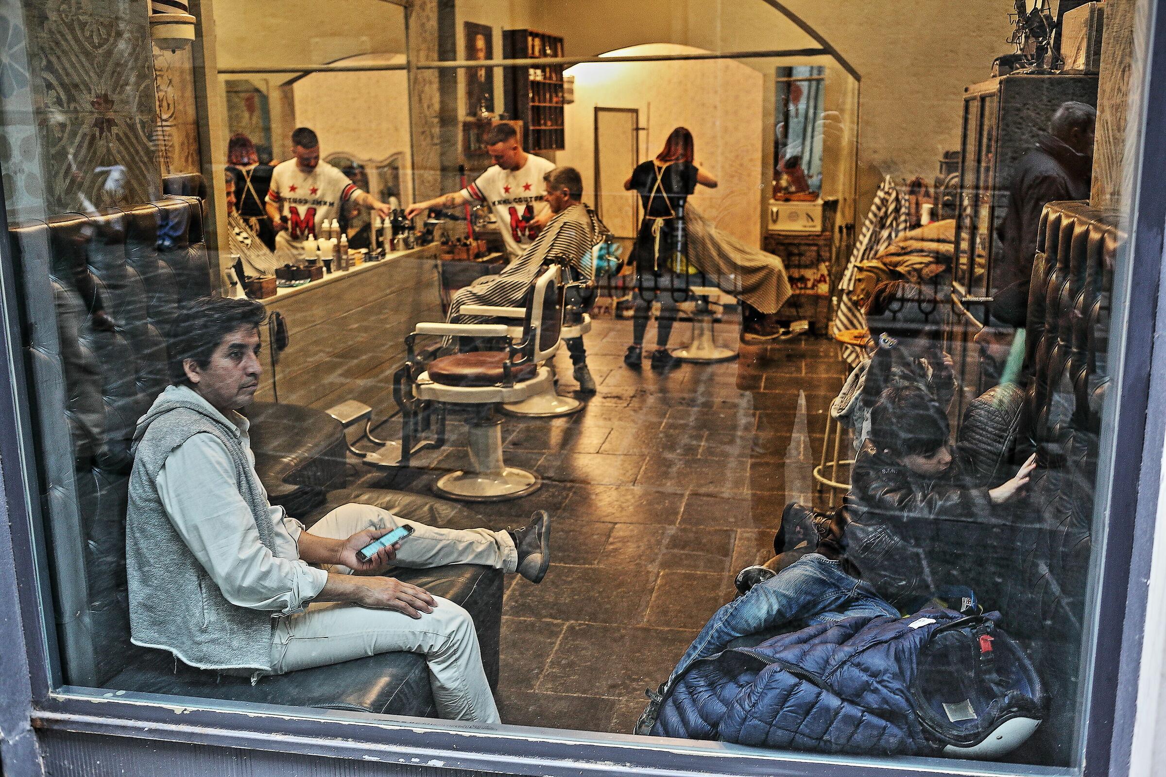 Barber shop in Genoa...