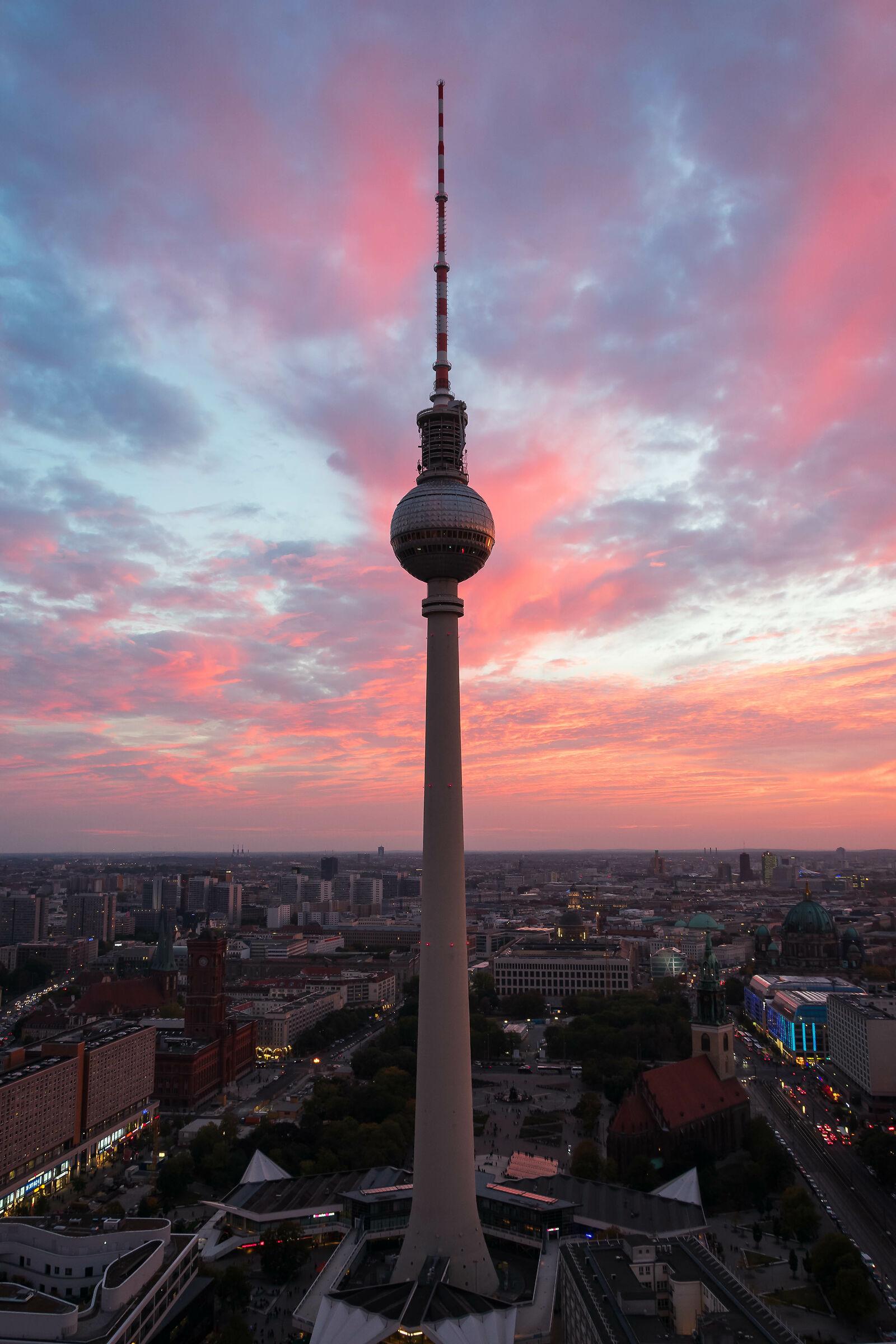 Tramonto sulla Berliner Fernsehturm...
