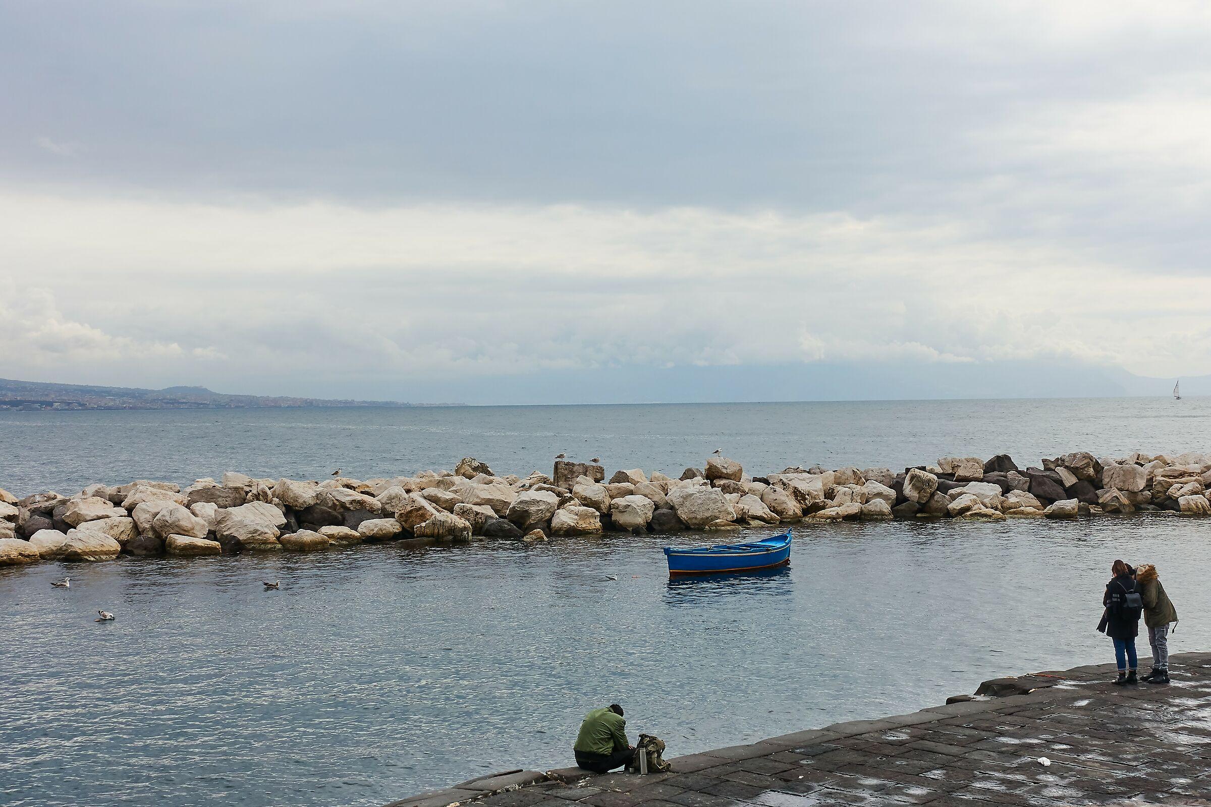 Napoli: un bacetto marinando la scuola...