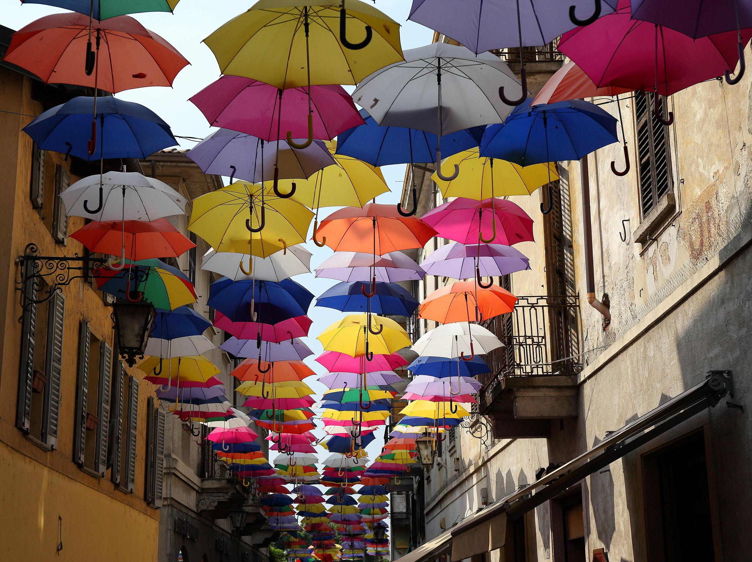 Flying umbrellas in Arona...