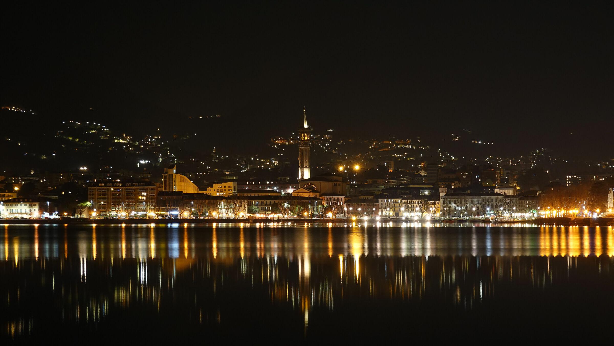 Lecco, night from Malgrate 2...