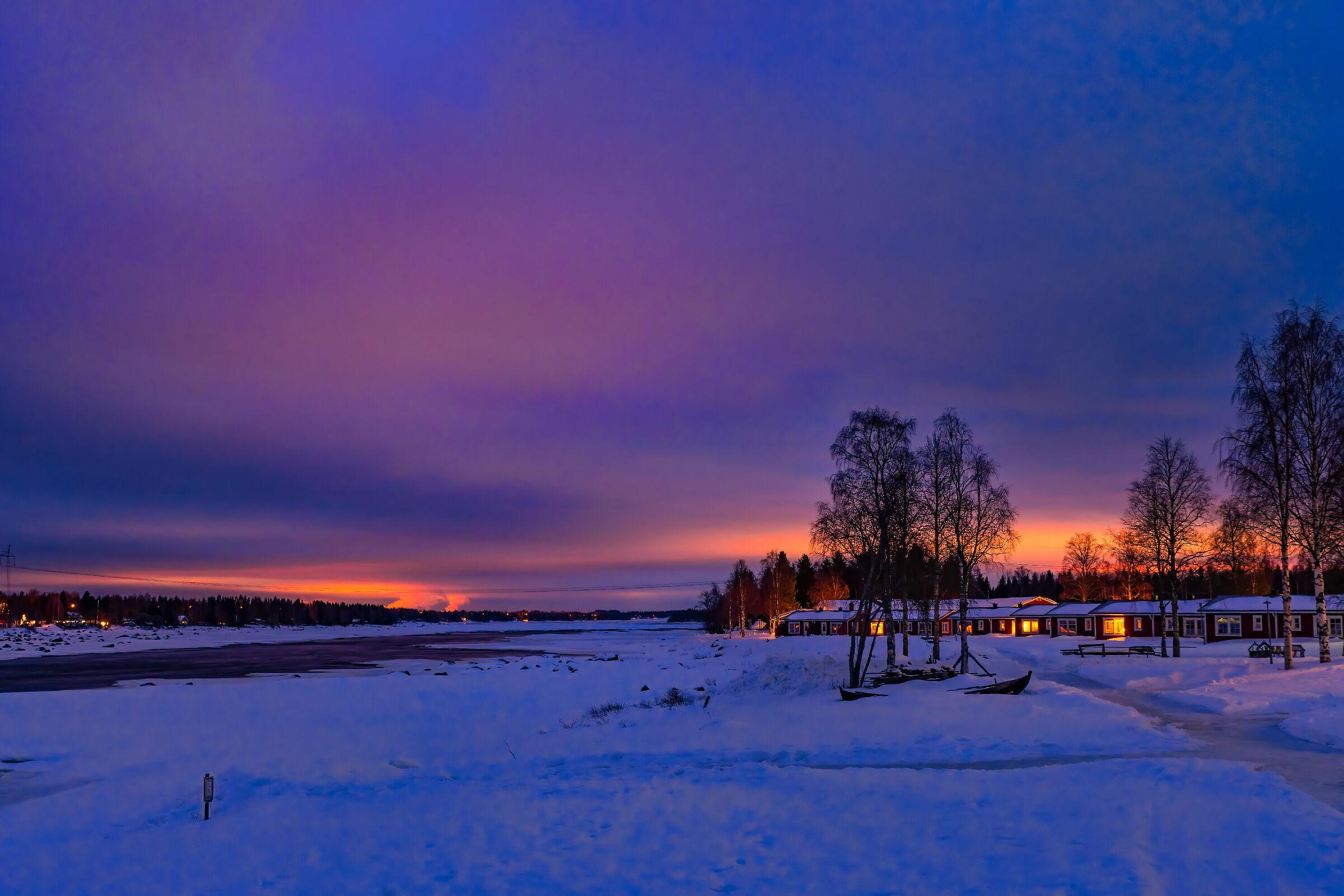 Tramonto di confine , a sx Finlandia a dx Svezia...