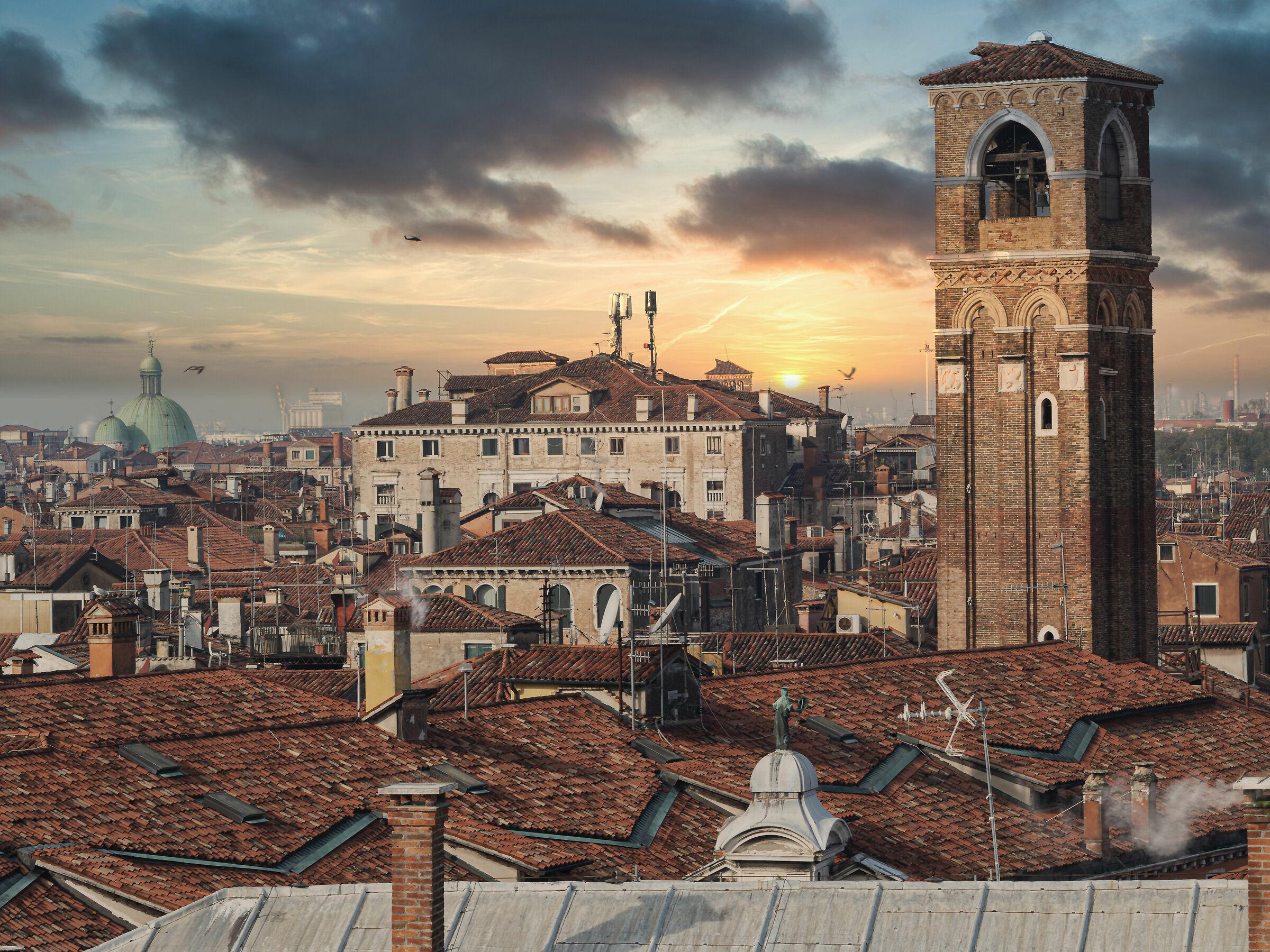#quandosipotevauscire Venetian roofs...