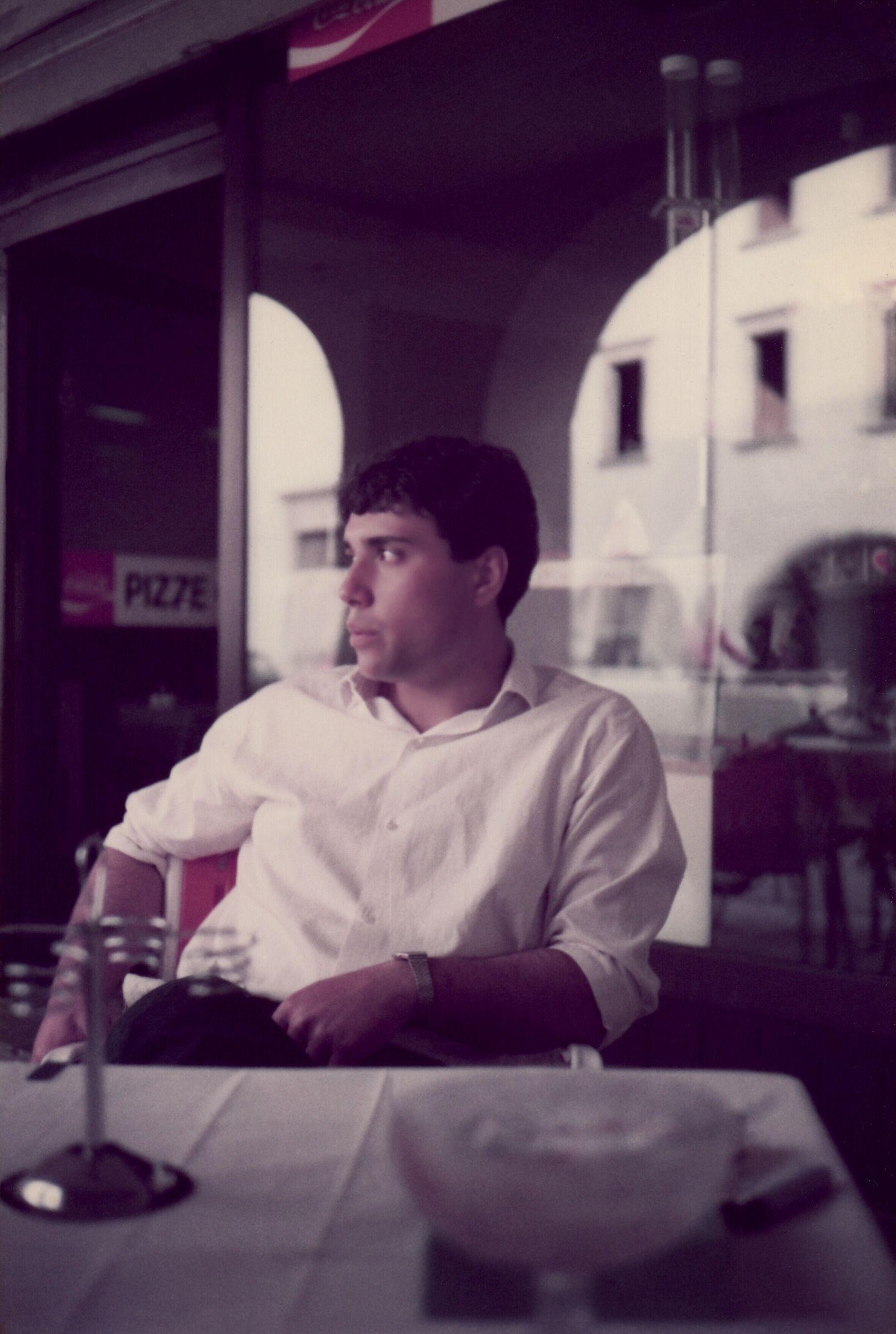 """""""Seduto in quel caffè io non pensavo a te....""""...."""
