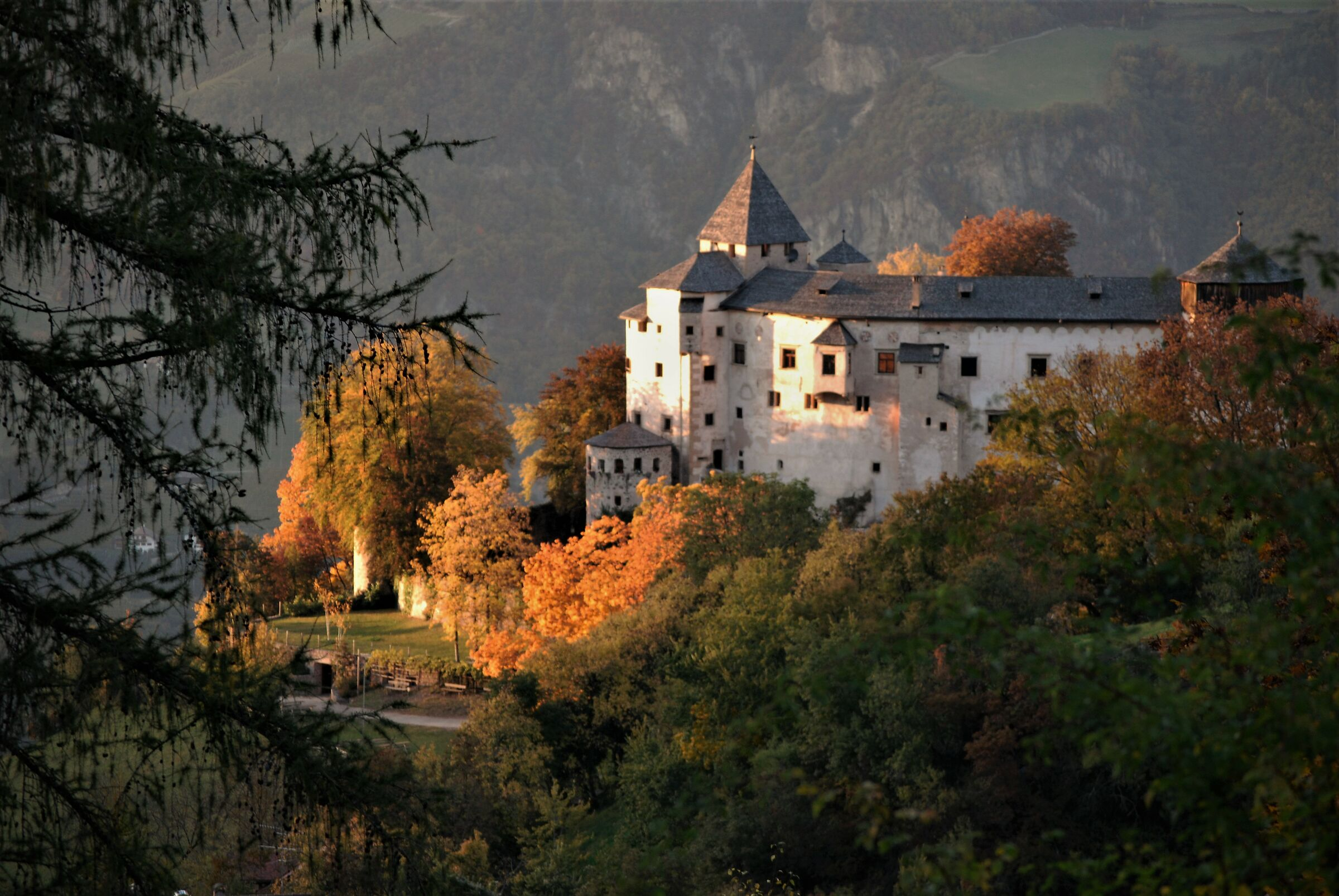 Castel Presule in autumn...
