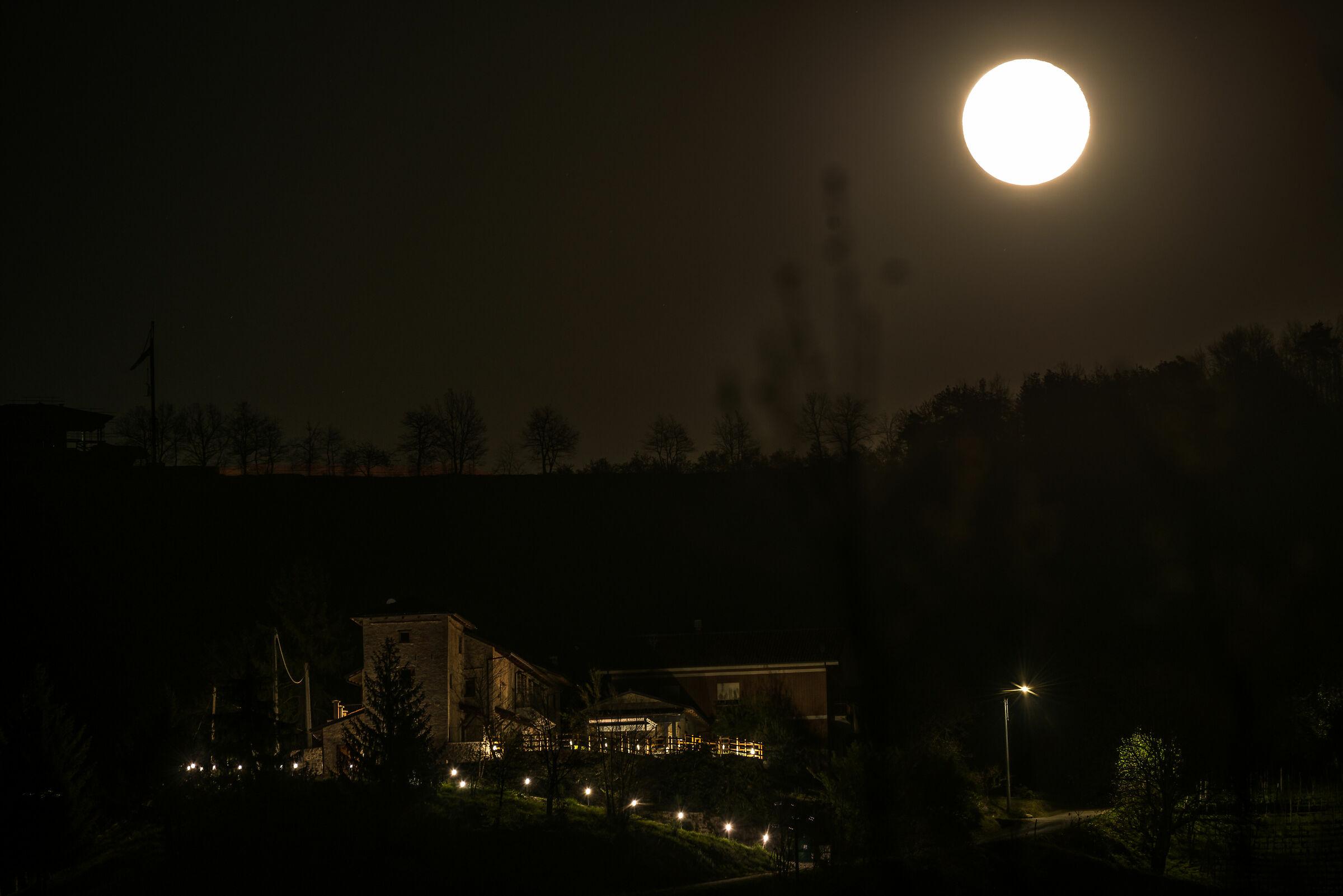 Panorama con luna...