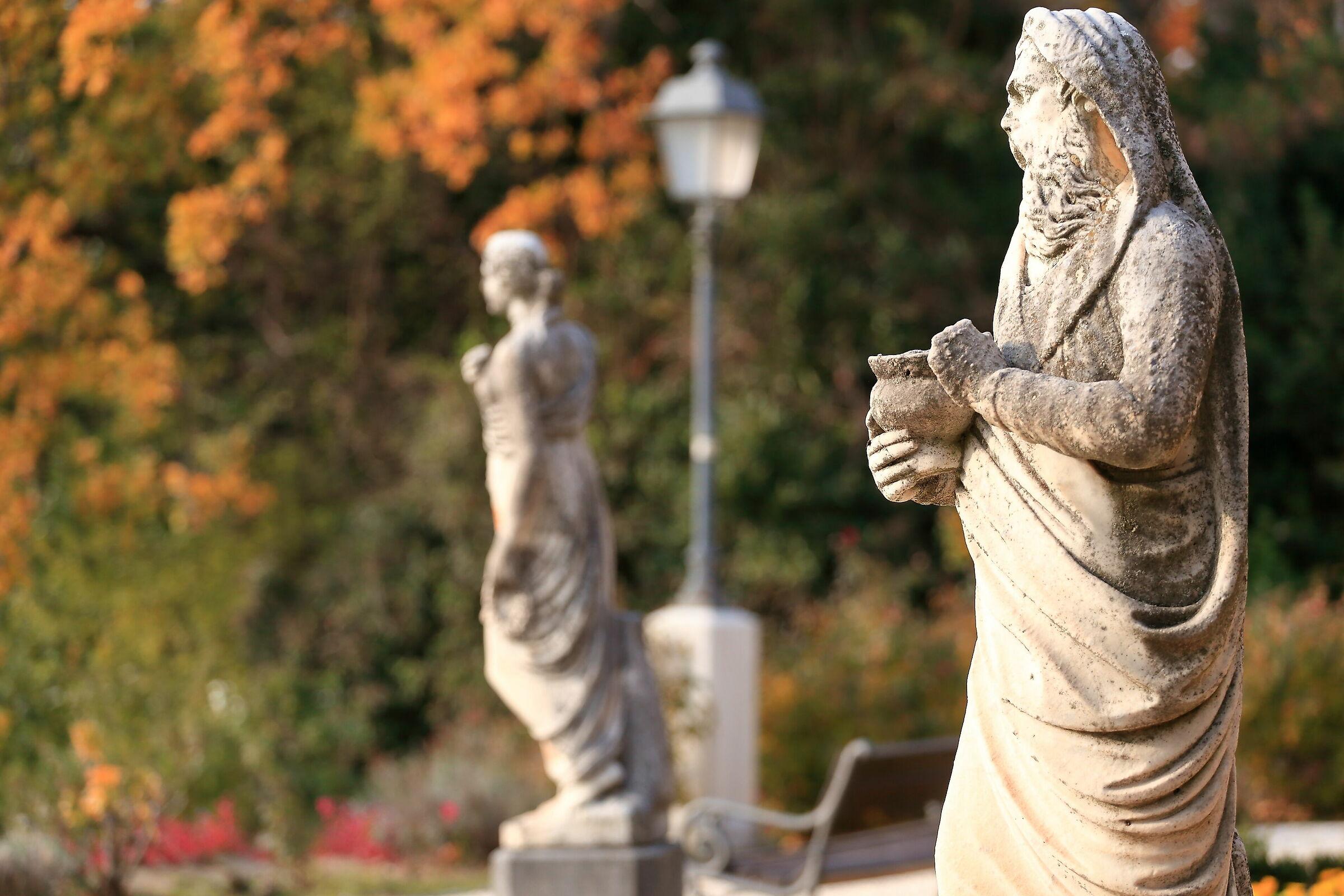 Statues - Villa Revoltella...