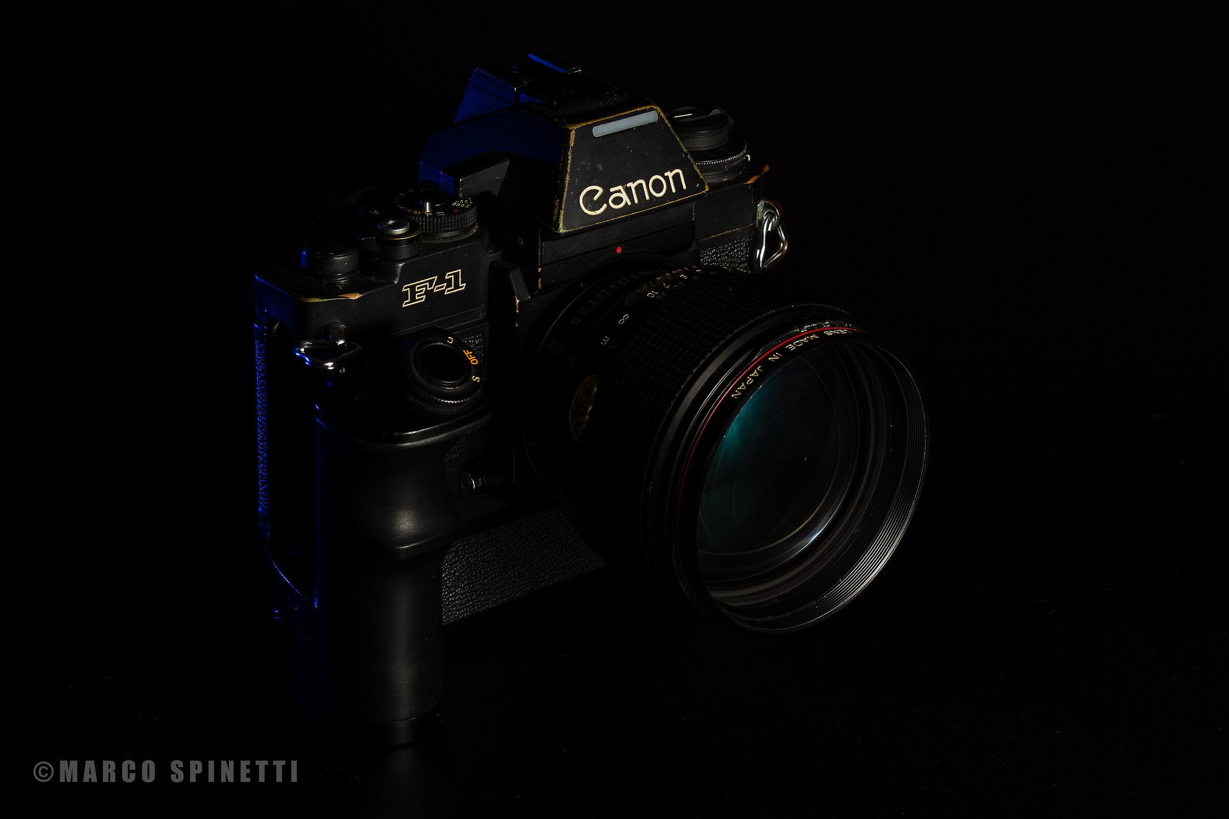 Speedlight 3.... Canon F1 New...