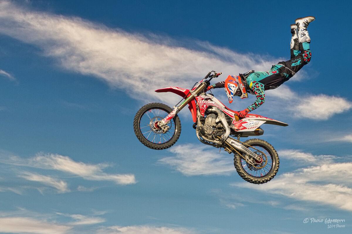 Darius in the air...