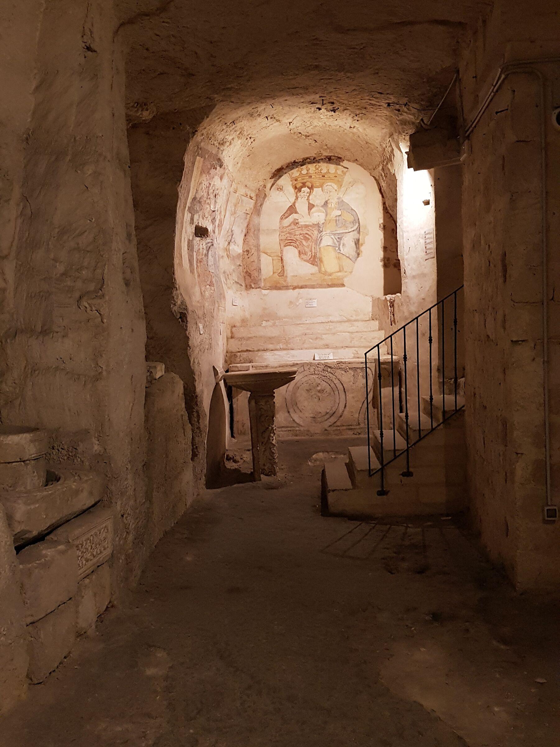 Chiesa rupestre sassi di Marera...