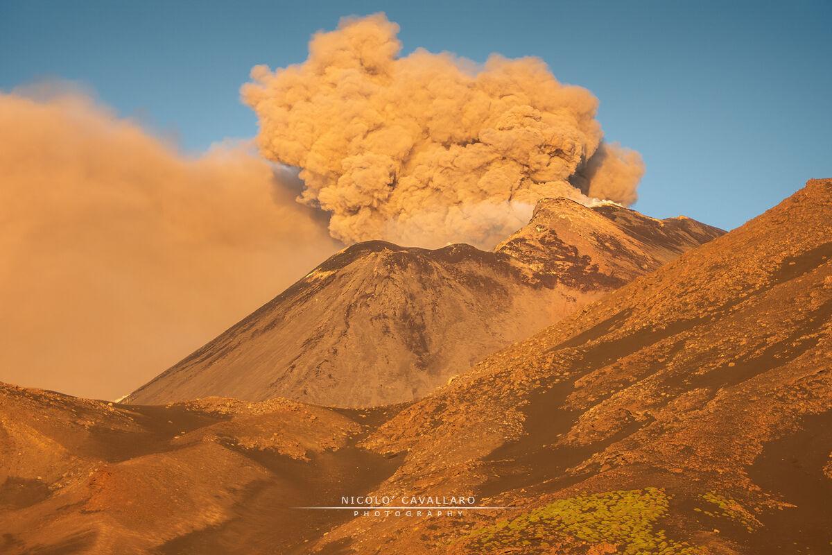 Etna - Paroxysm by day 23 May 2020...