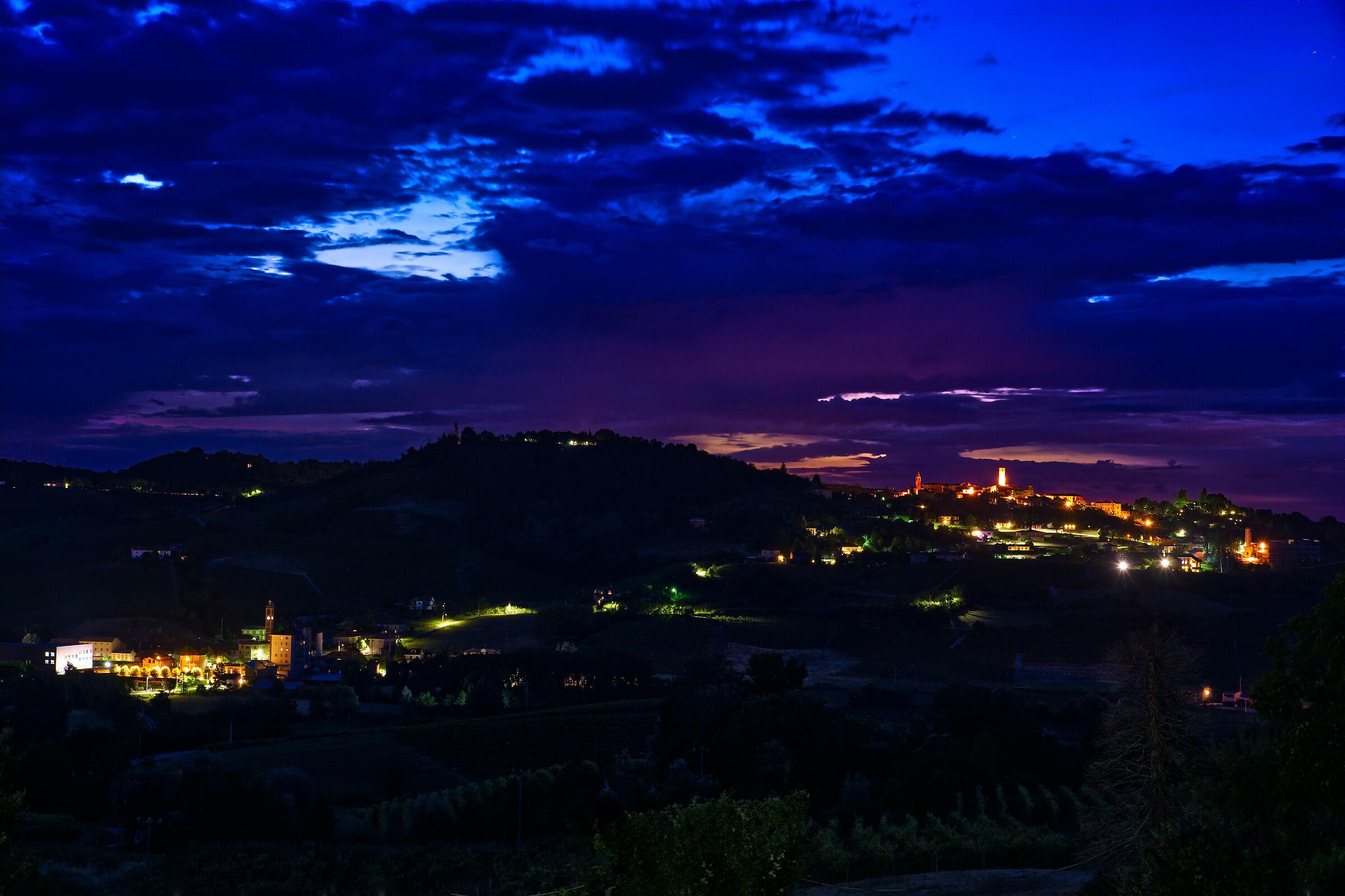 tramonto su Mombaruzzo (at)...
