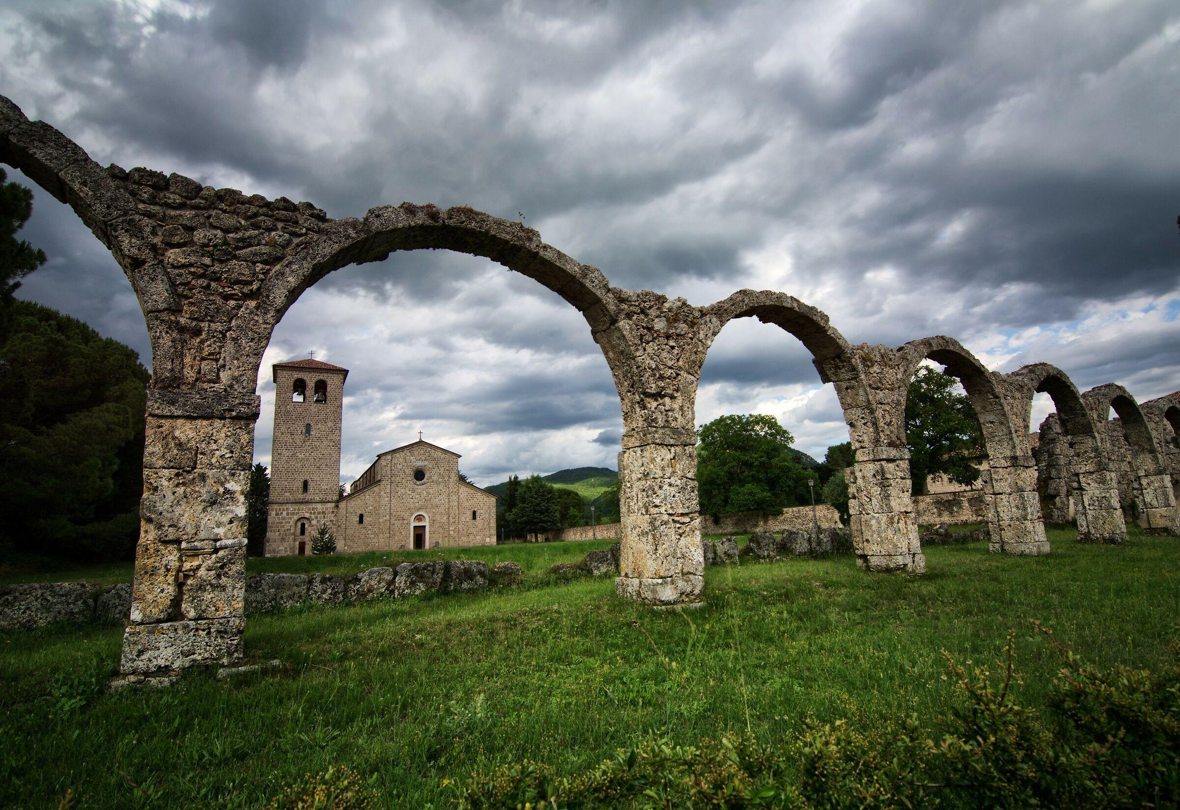 Monastero Castel San Vincenzo...