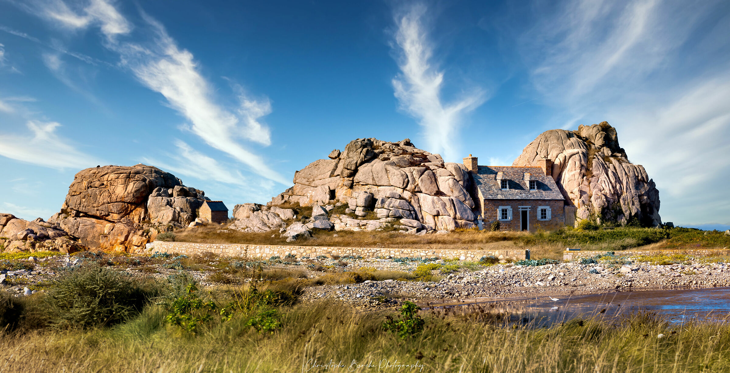 the house between the rocks...