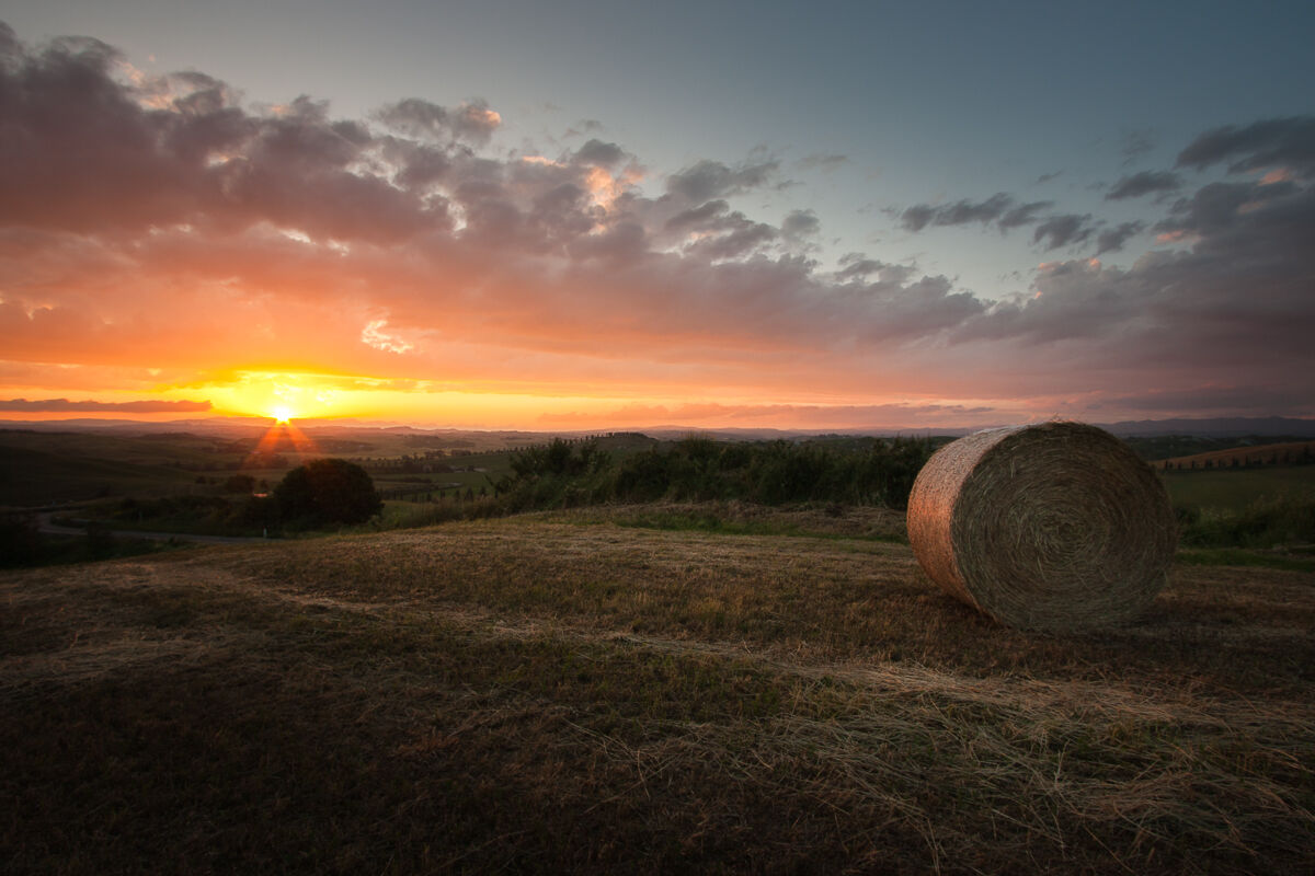 Sunset on the land of Siena ......