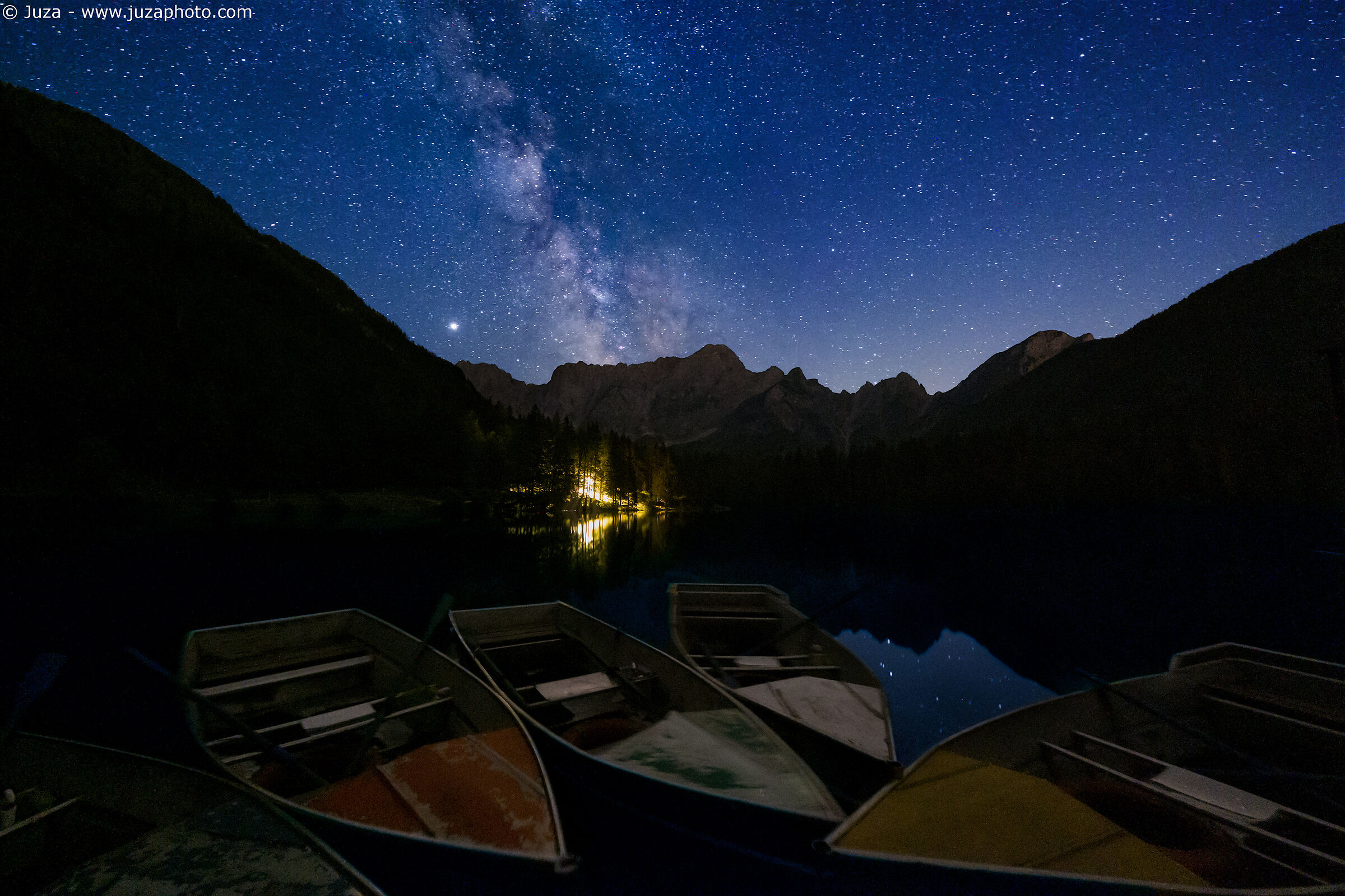 Le barche sul lago di Fusine...
