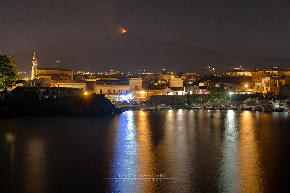 Pozzillo with Etna erupting...