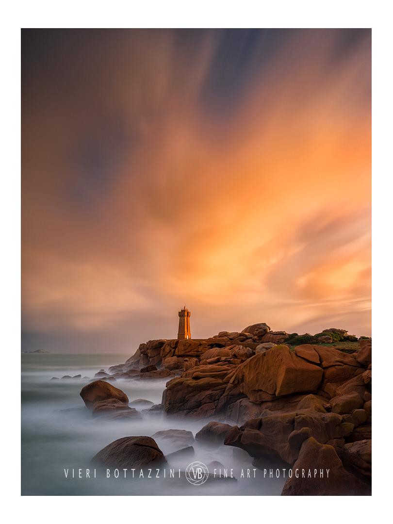Men Ruz Lighthouse at Dawn...