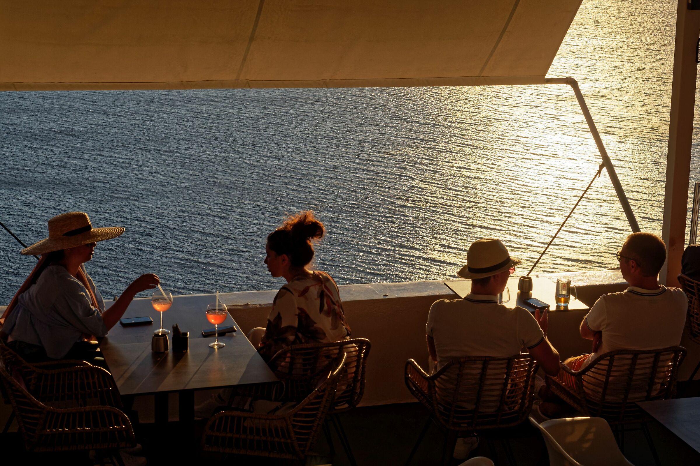 Santorini 8...