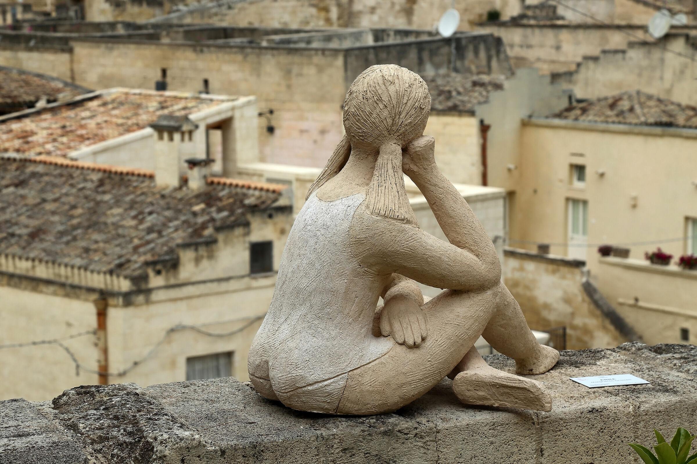 Anna pensosa in ammirazione del Sasso Barisano...