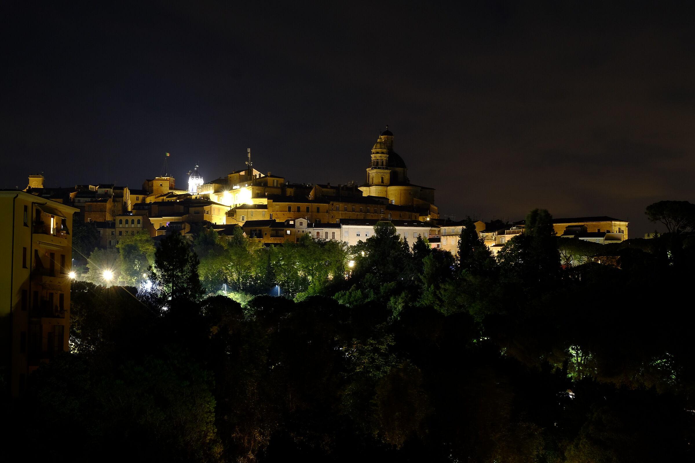 Macerata by night...
