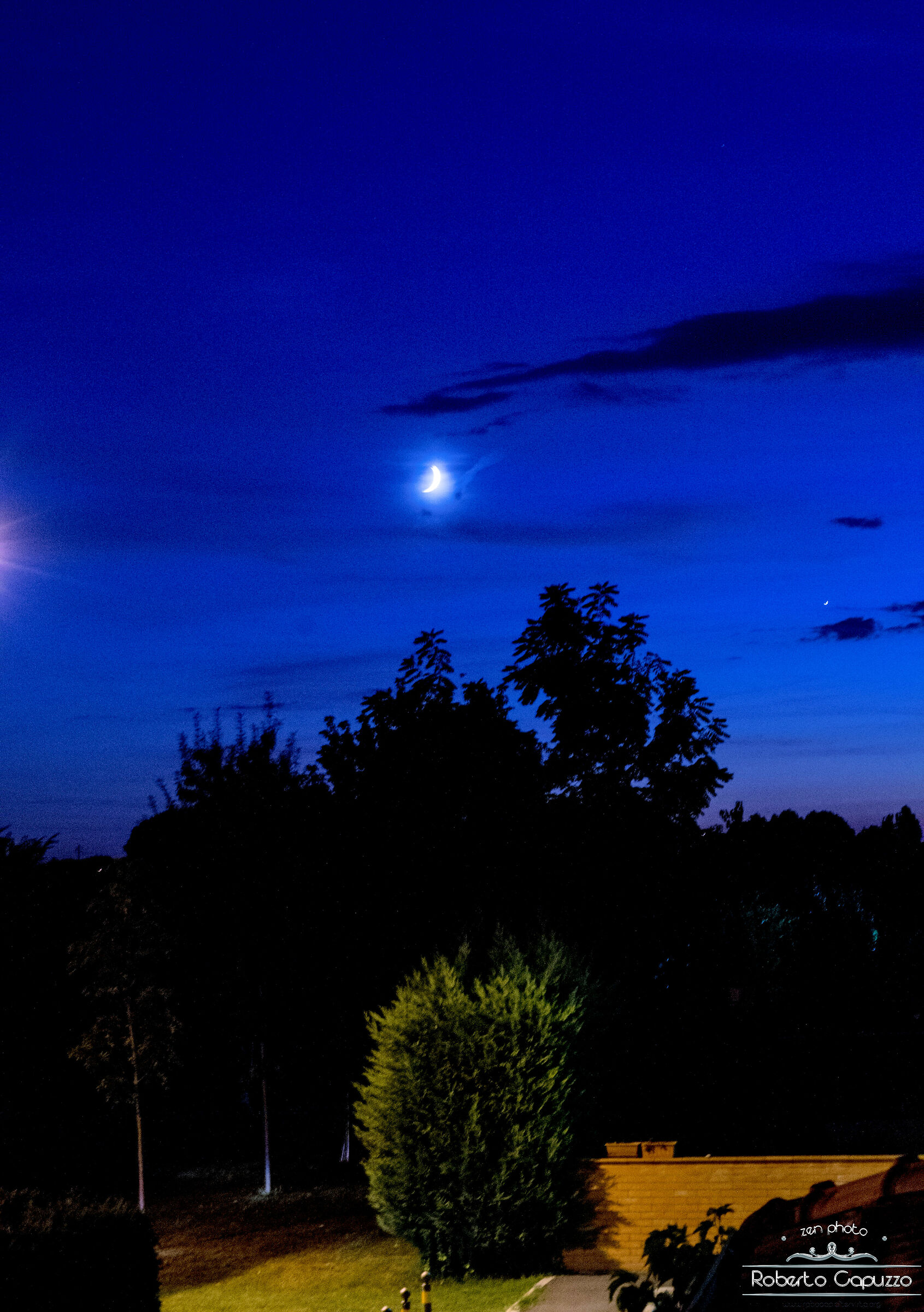 Luna crescente sopra Aguscello...