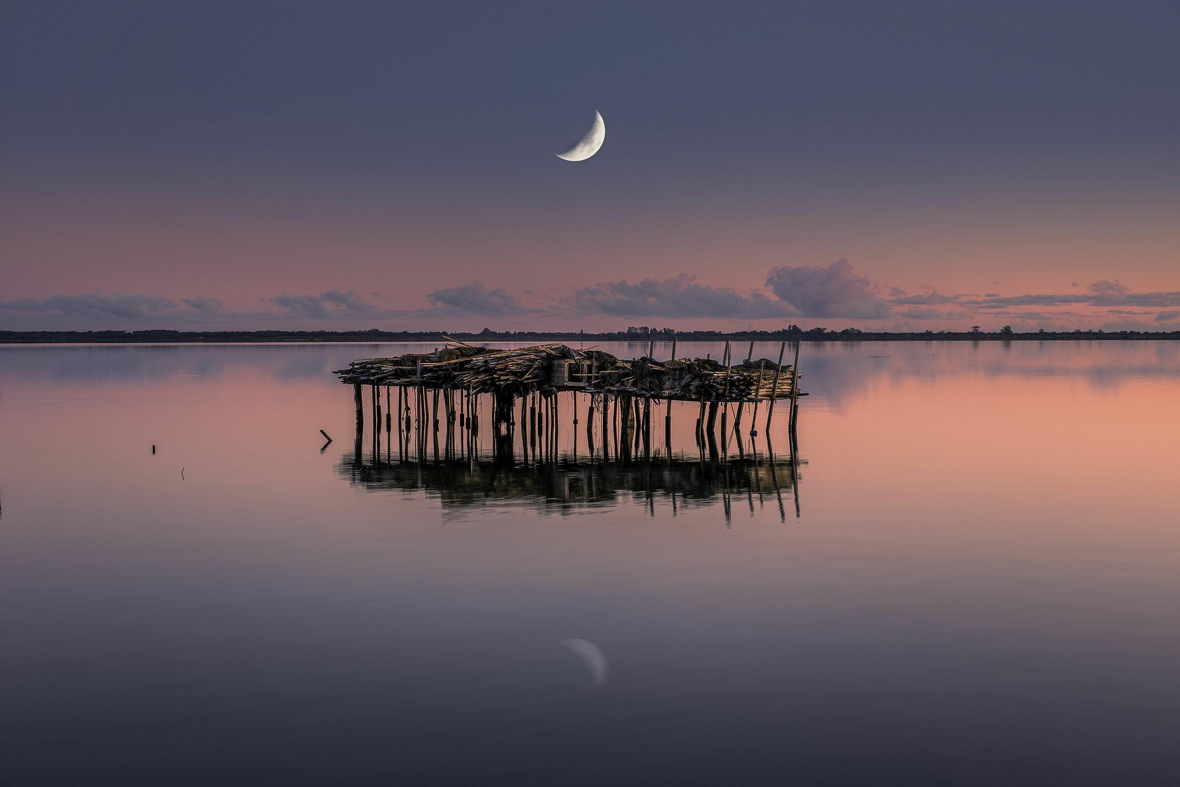 Lunar Dawn - Lake Lesina...