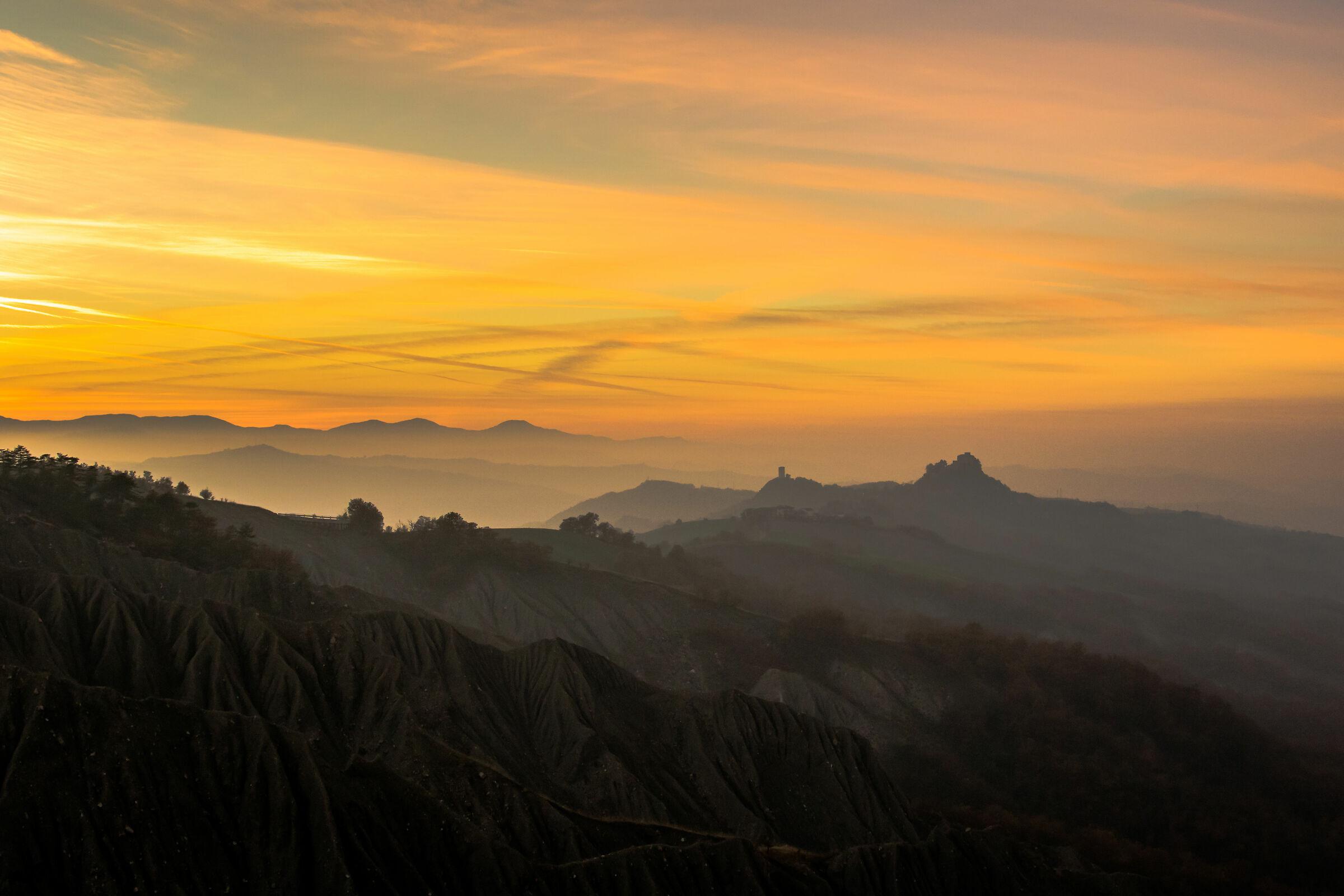 Sunset over Rossena Castle ...