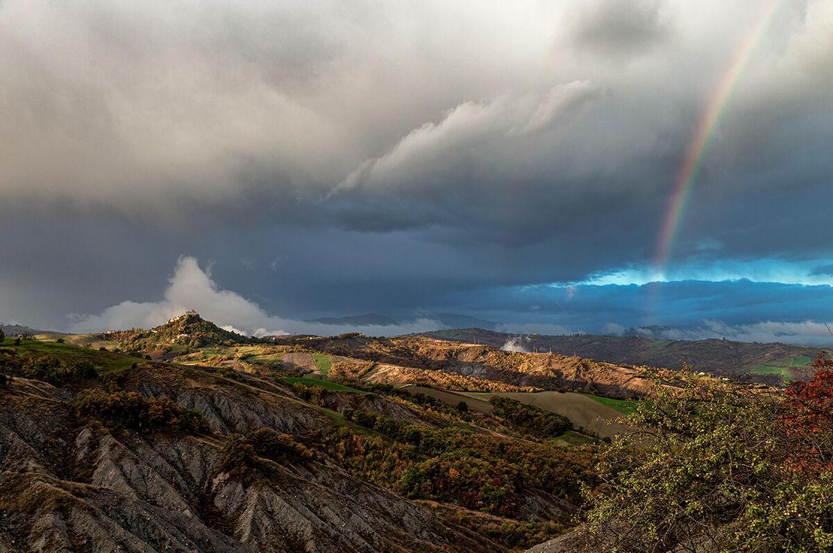 Rossena Castle and rainbow...