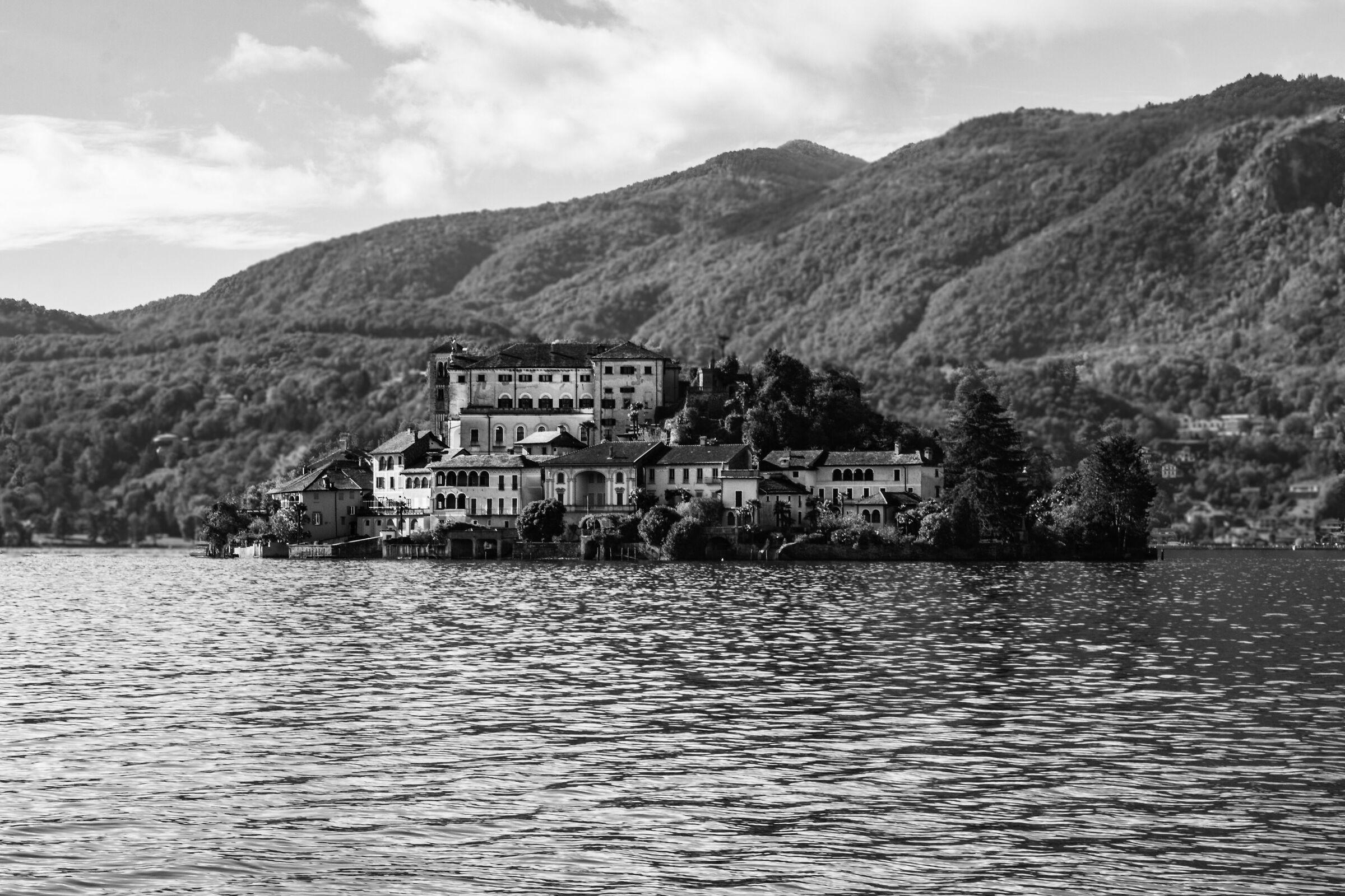 Isola S. Giulio...
