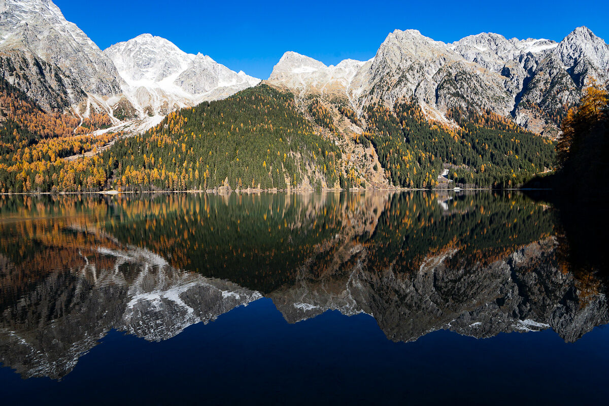 Lake Anterselva in autumnal guise ...
