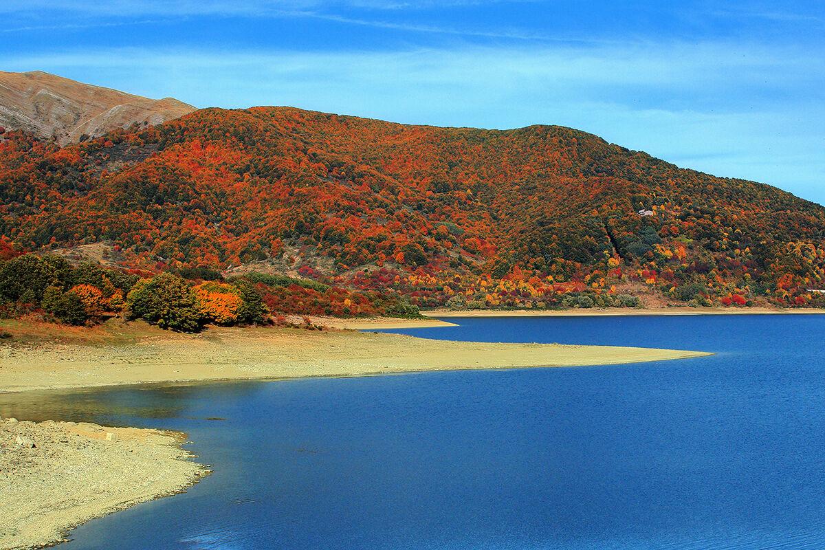 Foliage on Lake Campotosto...