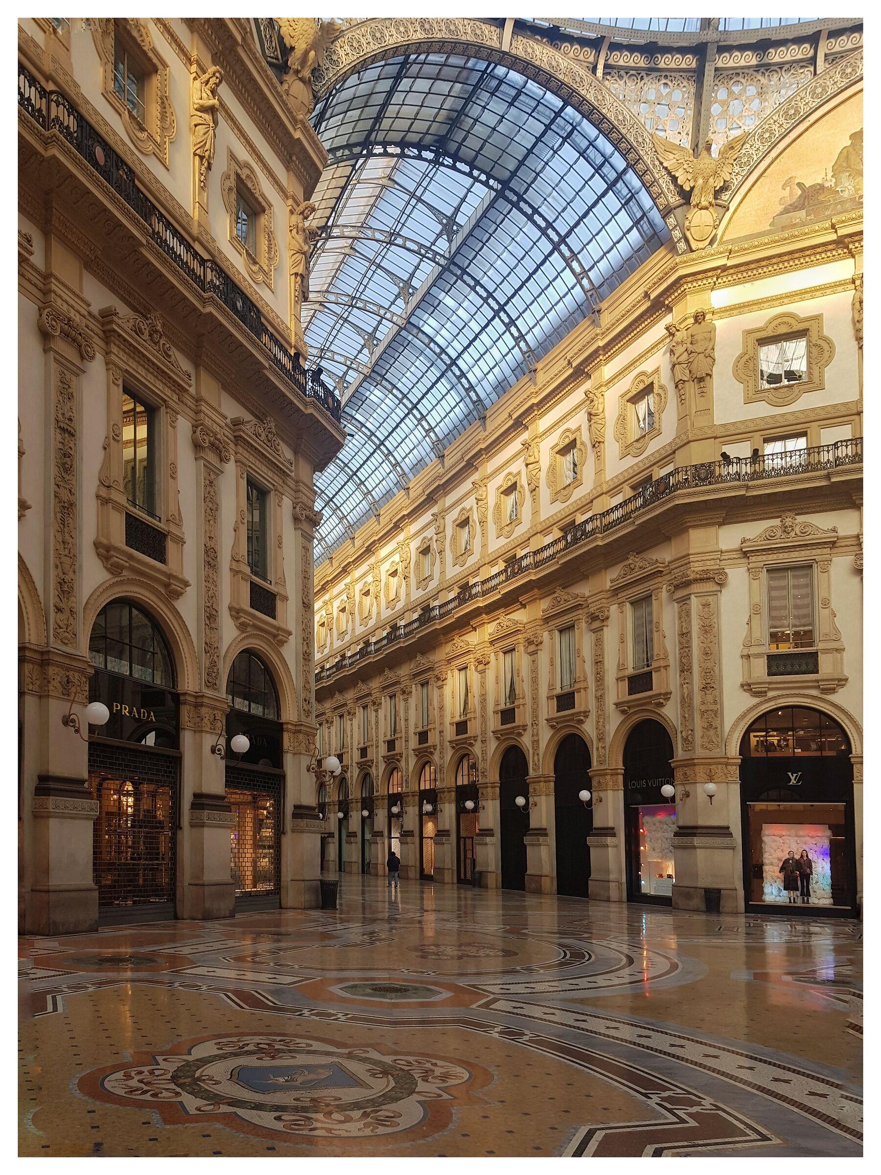 Galleria...