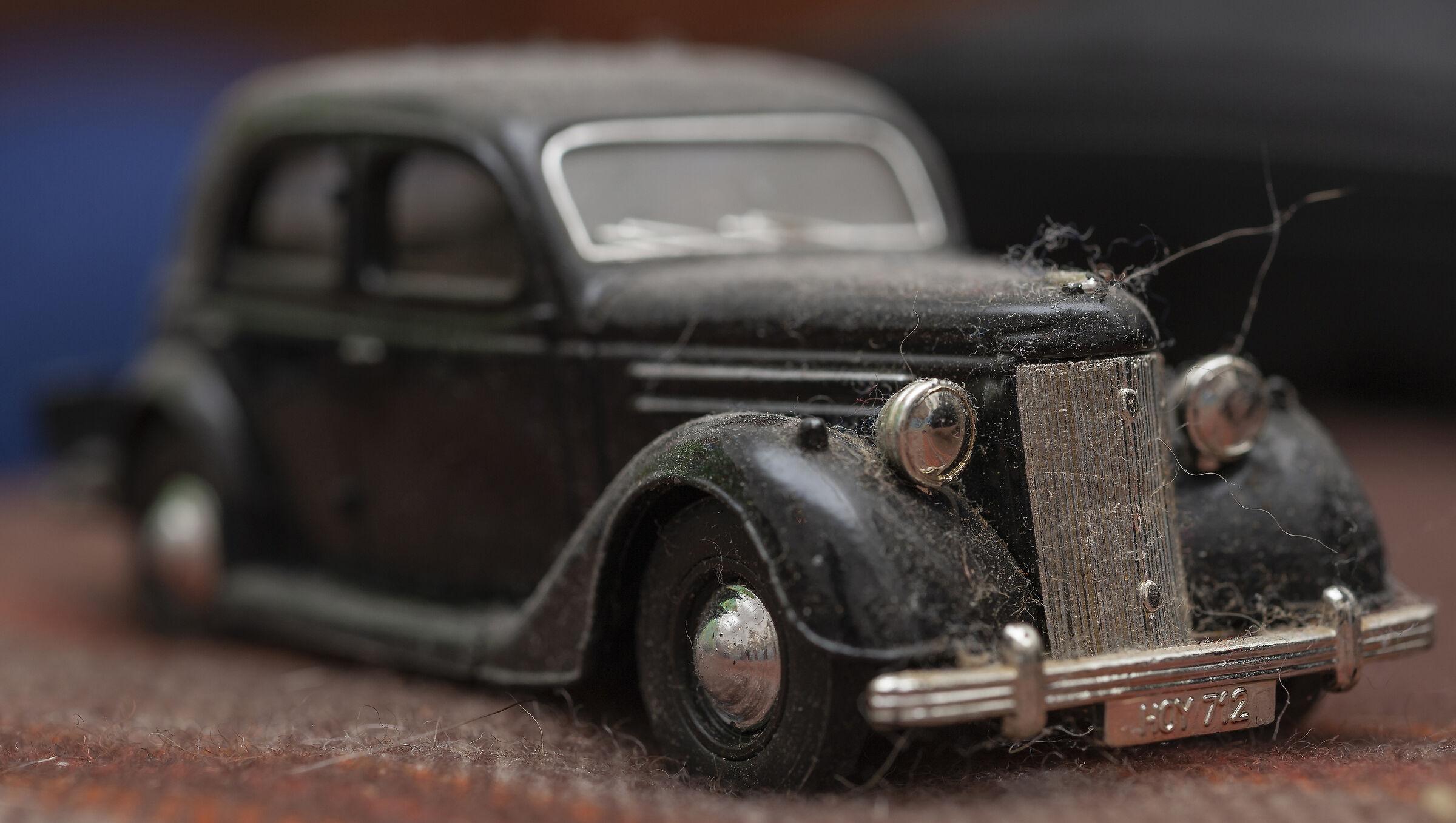 Dusty Ford V8...
