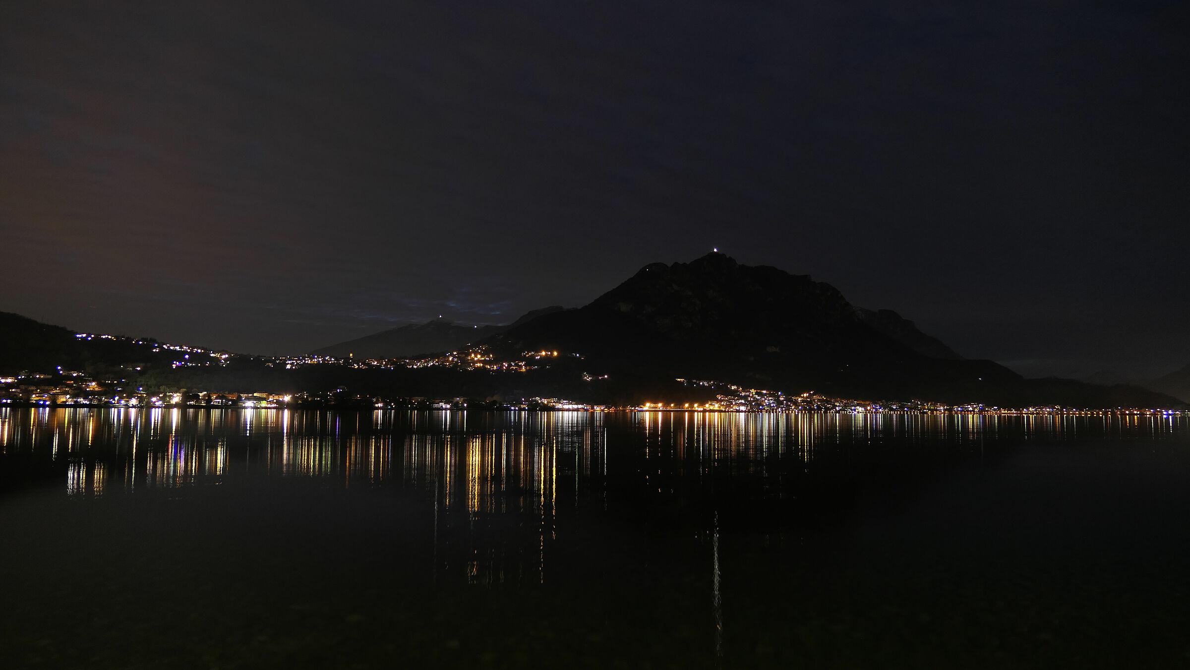 Riflessi notturni sul lago di Garlate 2...