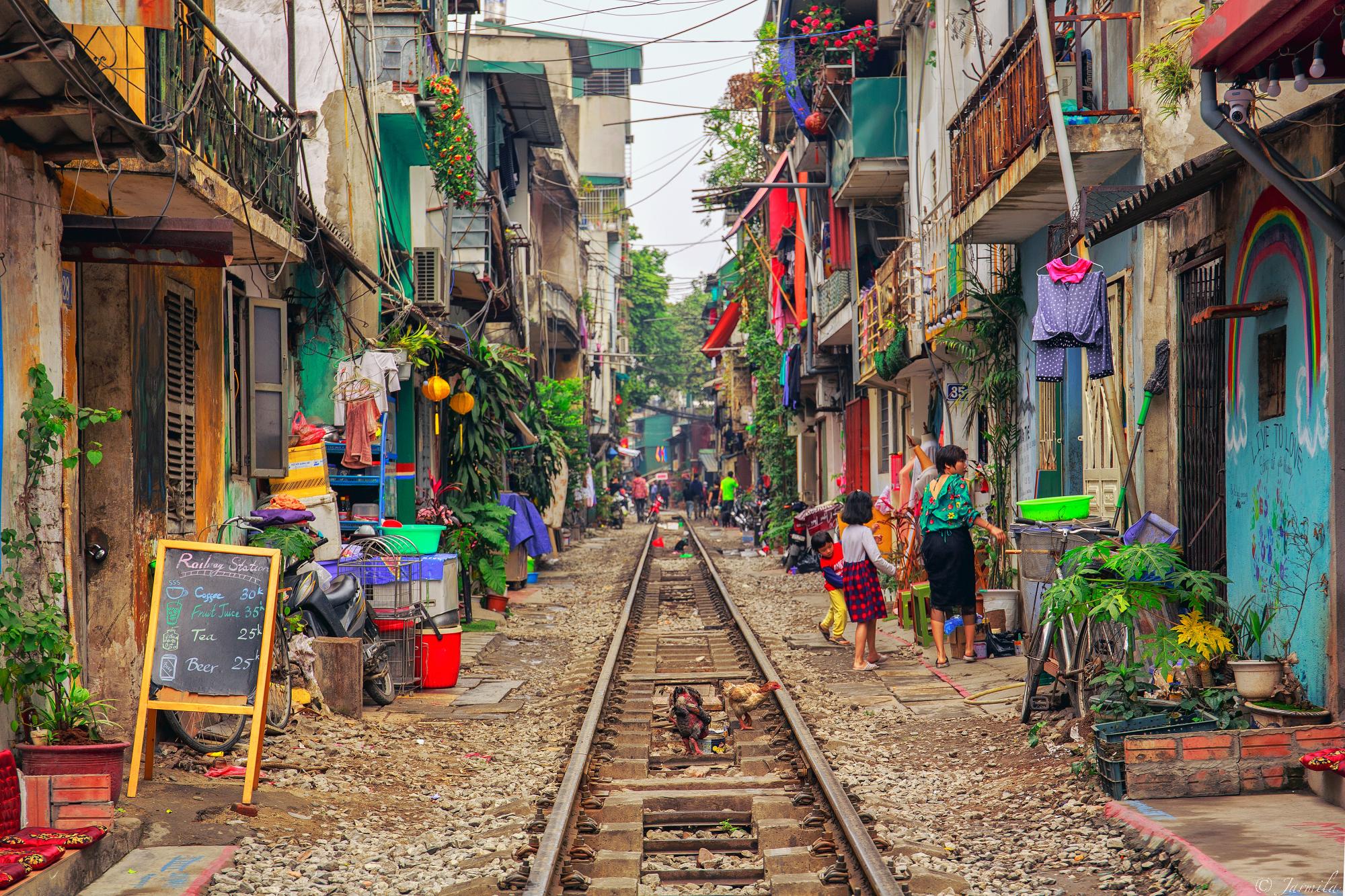 Train Street (Hanoi)...