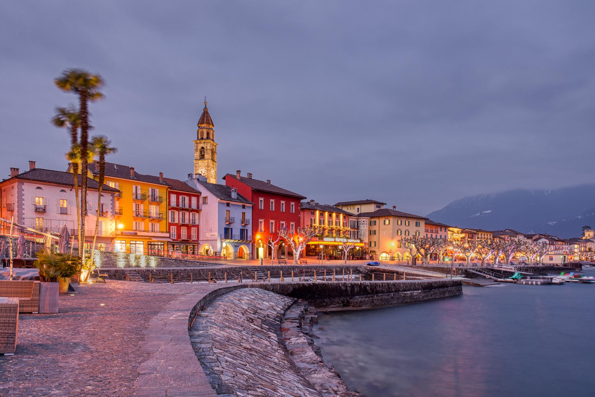 Ascona in una fredda e ventosa serata invernale...