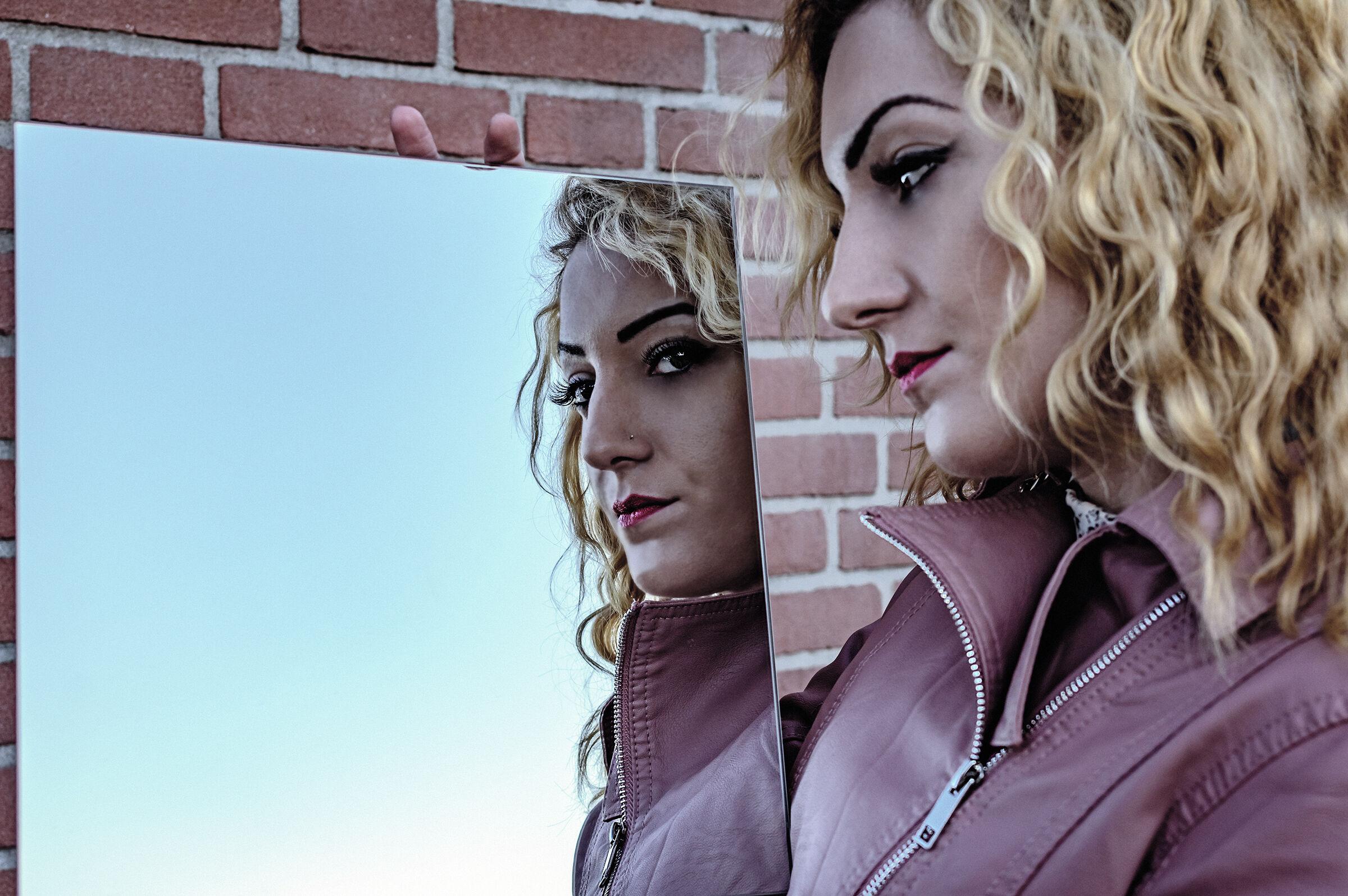 Beauty Mirror 2...
