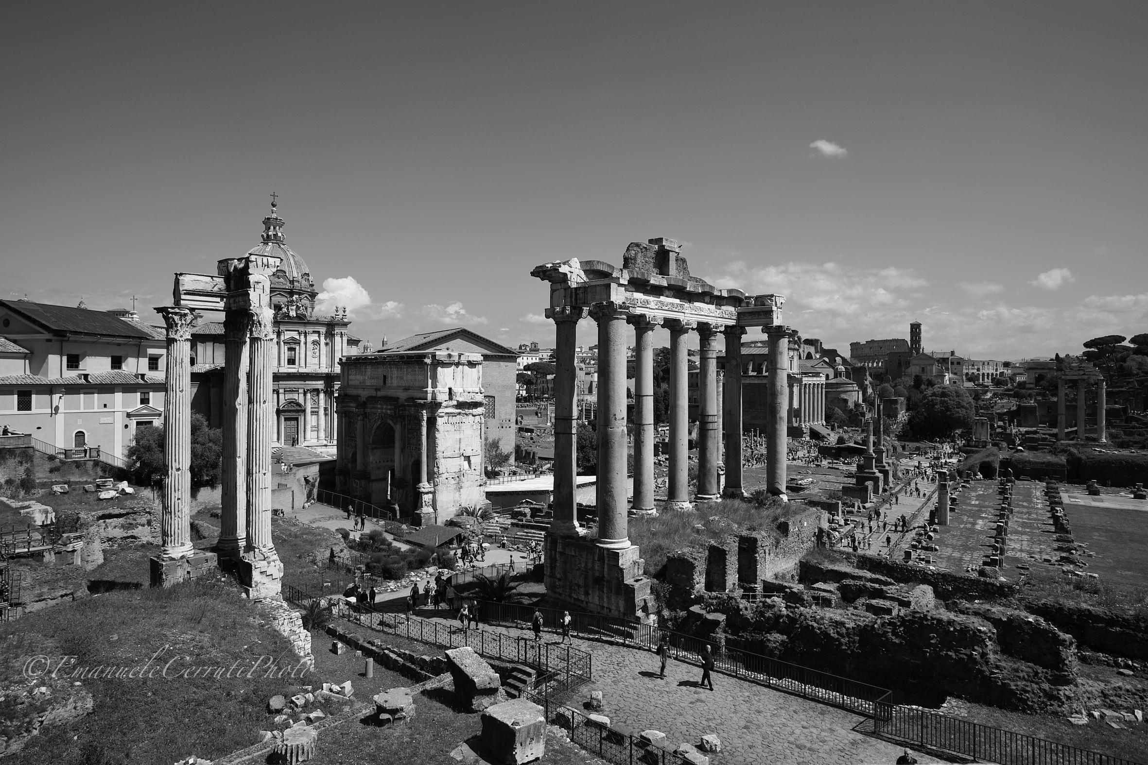 Roma-Sguardo sui Fori Imperiali...