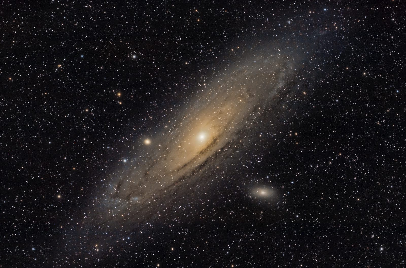 M 31...