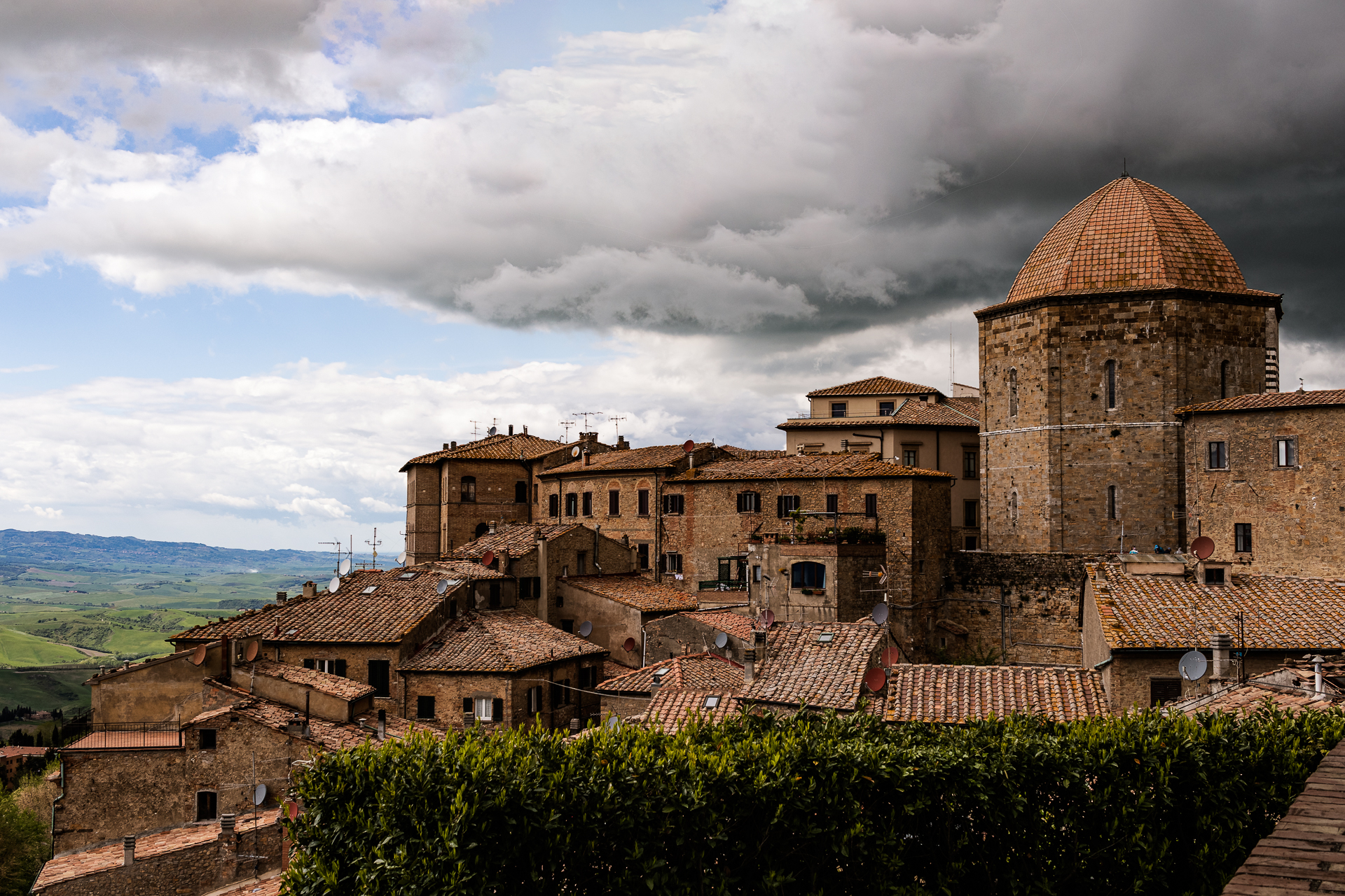 Volterra with the Clouds...