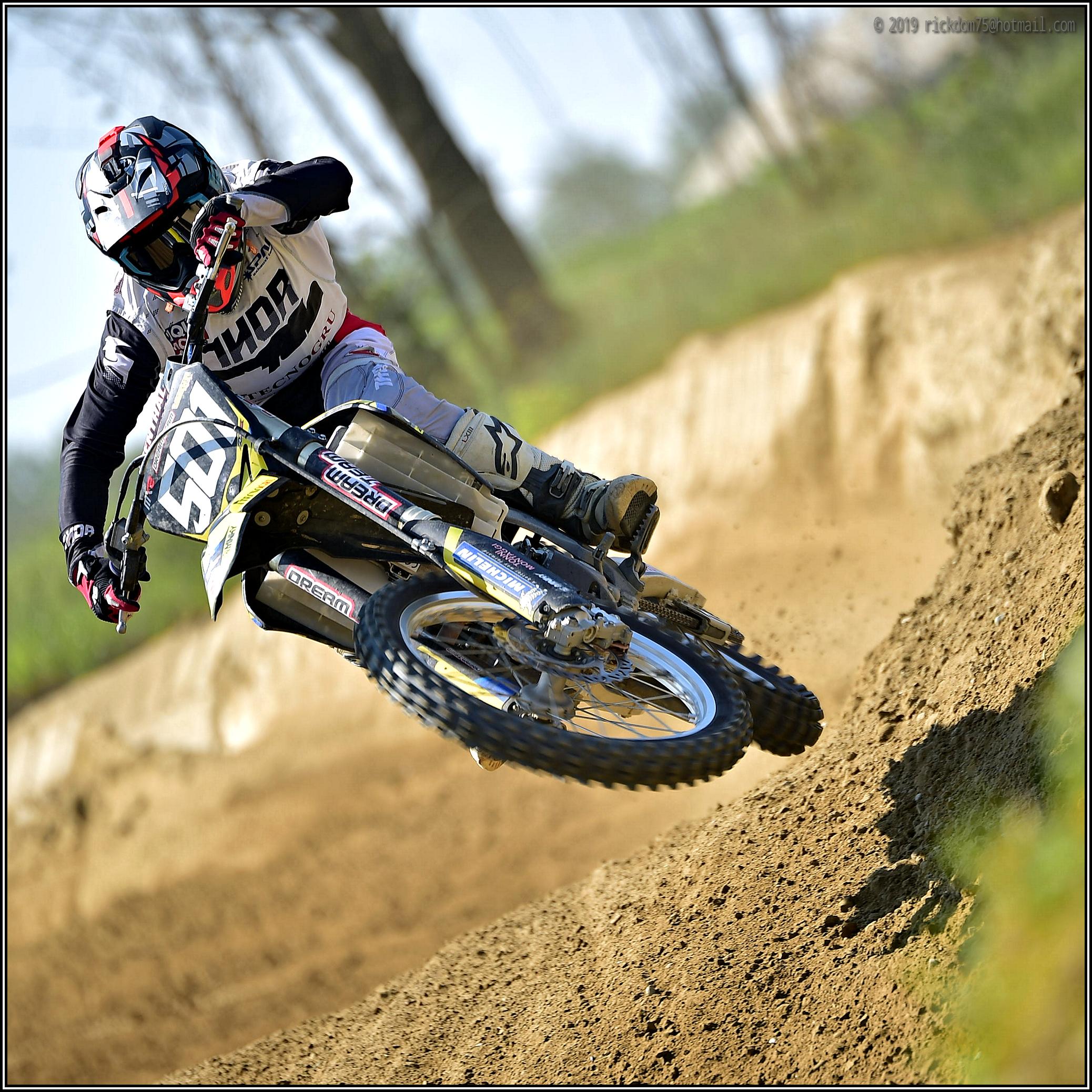 Dirt-Hopper...